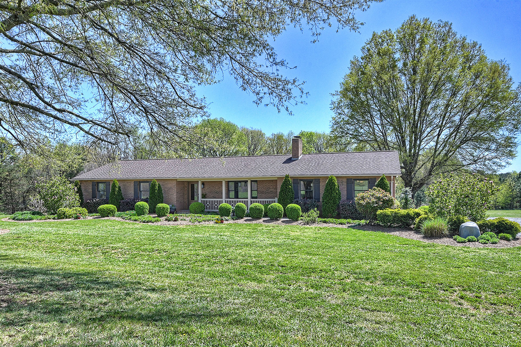 Single Family Homes for Sale at 627 Fern Hill Road Mooresville, North Carolina 28117 United States
