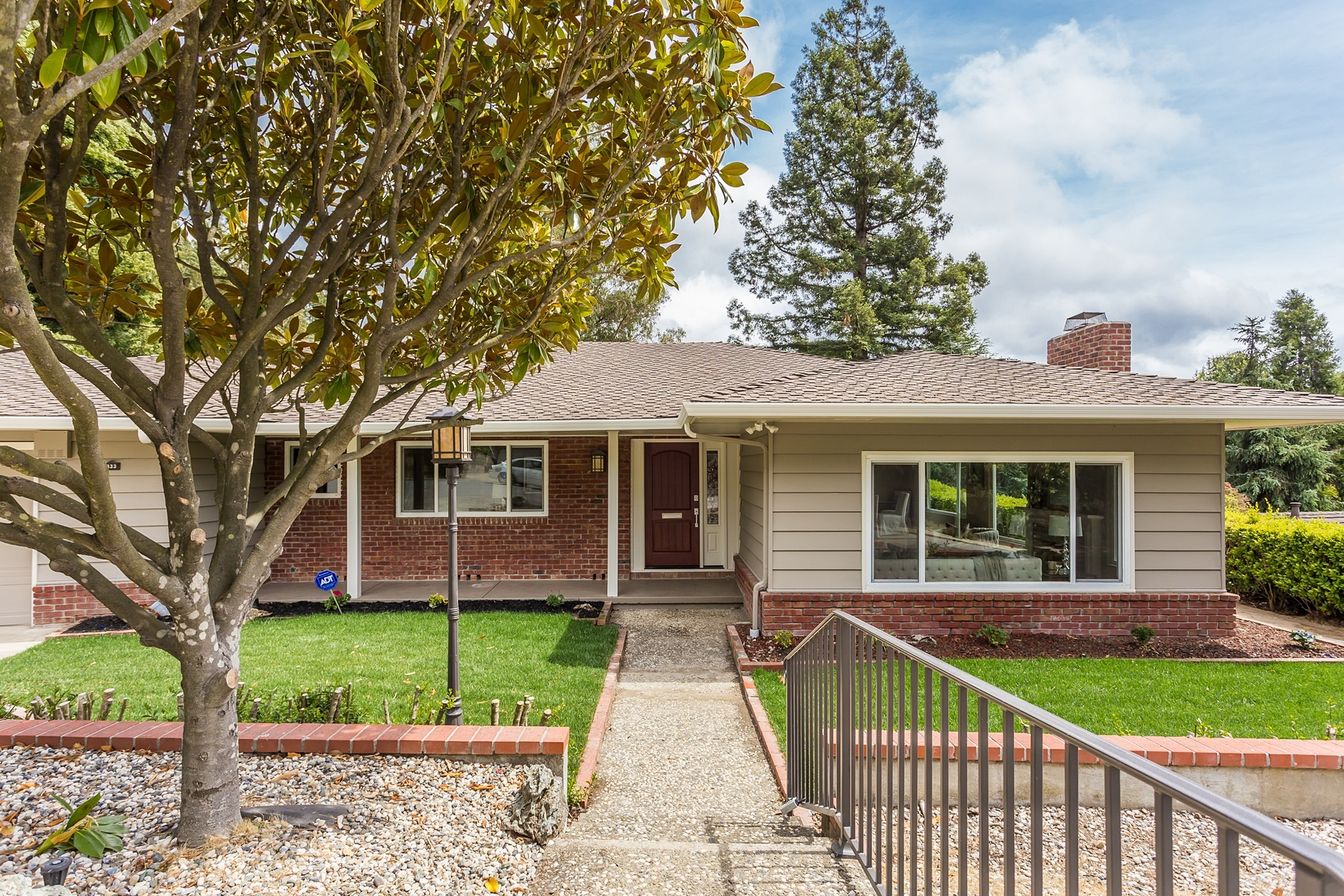 Single Family Home for Sale at Sequoyah At Its Finest 433 Fox Hills Oakland, California 94605 United States