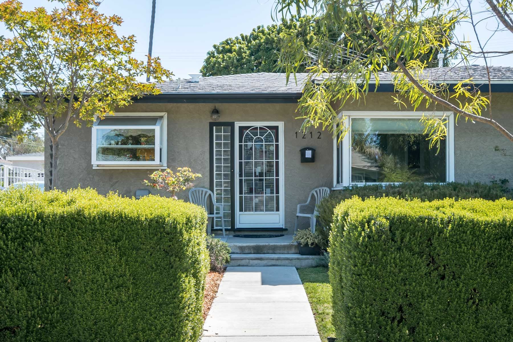 Maison unifamiliale pour l Vente à 1212 Felbar Av, Torrance 90503 1212 Felbar Ave Torrance, Californie 90503 États-Unis