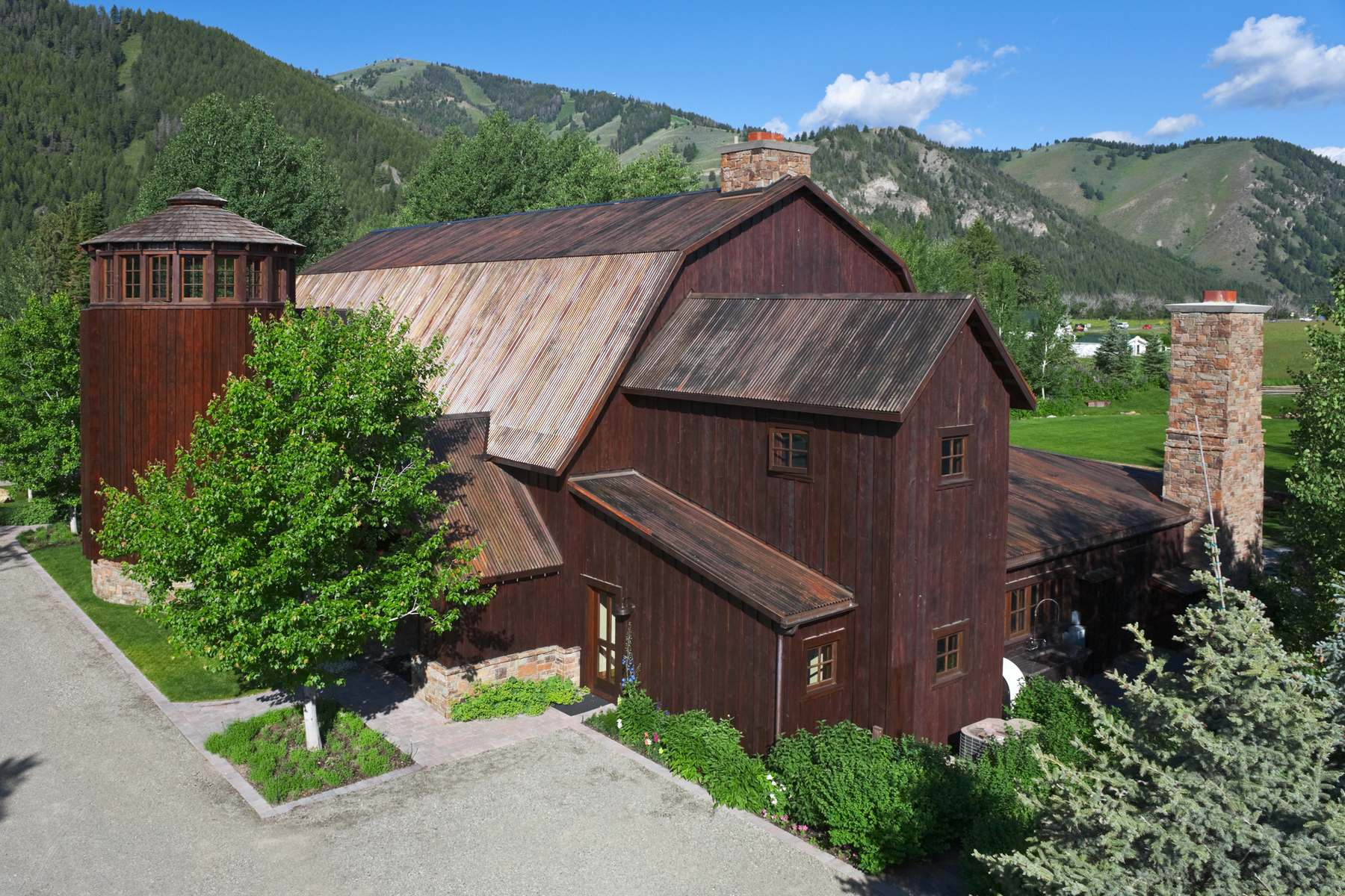 Single Family Home for Sale at Sun Valley's Historic Western Family Compound 105 Farnlun Place Sun Valley, Idaho 83353 United States
