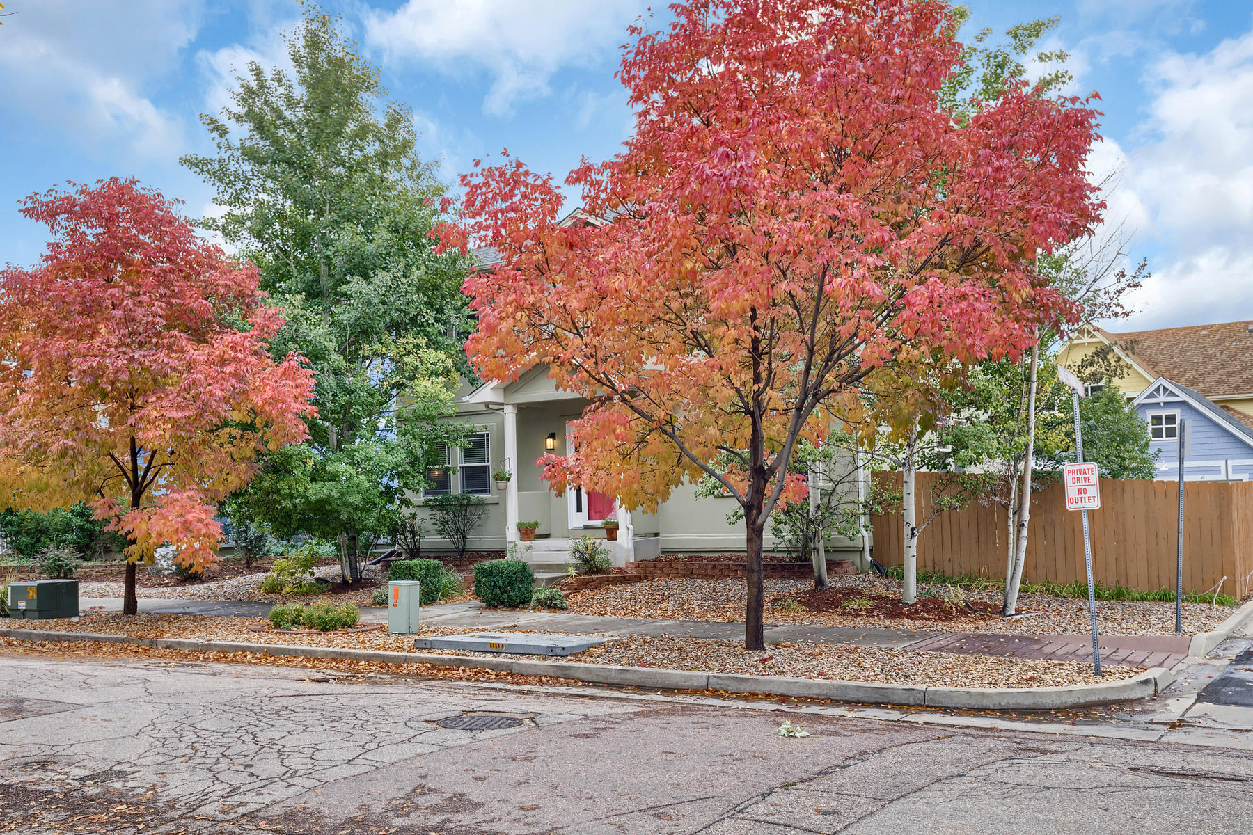 Single Family Home for Active at BEST OF BOTH WORLDS – NEWER HOME DOWNTOWN! 515 E Columbia St Colorado Springs, Colorado 80907 United States