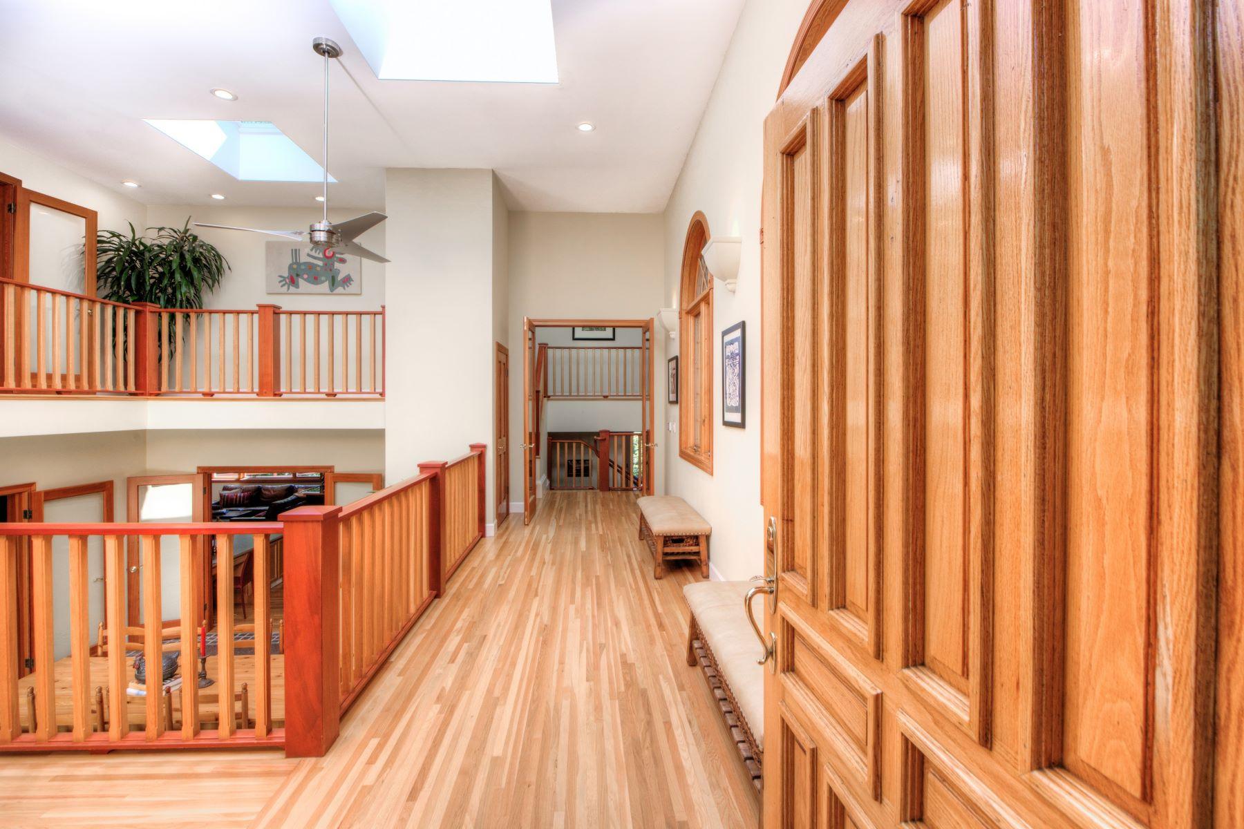 Einfamilienhaus für Verkauf beim Country Estate Living at its Finest 17 Madrone Ave Woodacre, Kalifornien 94973 Vereinigte Staaten