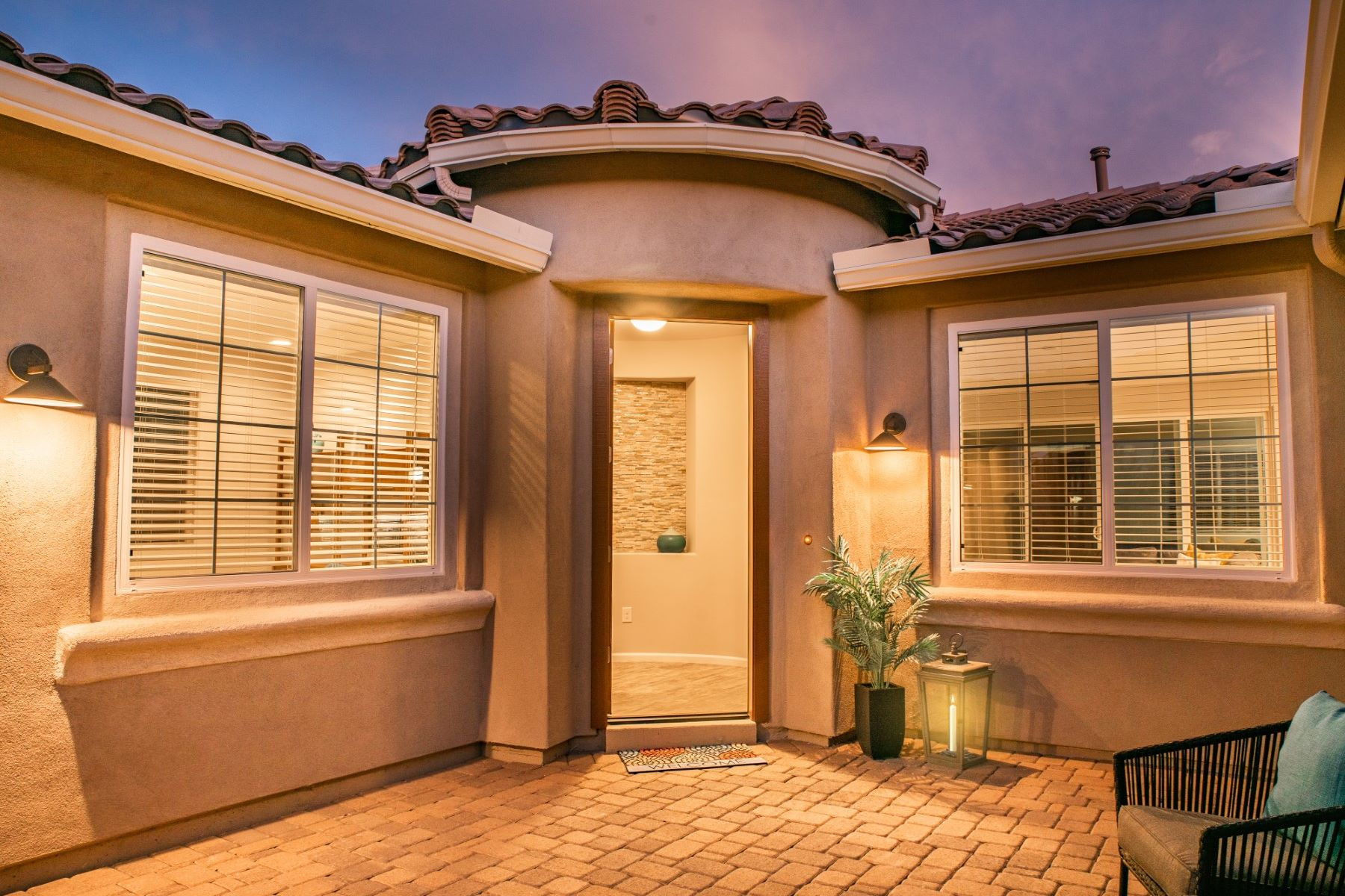 Single Family Homes for Sale at Charming Front Portico Courtyard and Private Sunset Deck 7673 W Laurel Lane Marana, Arizona 85658 United States