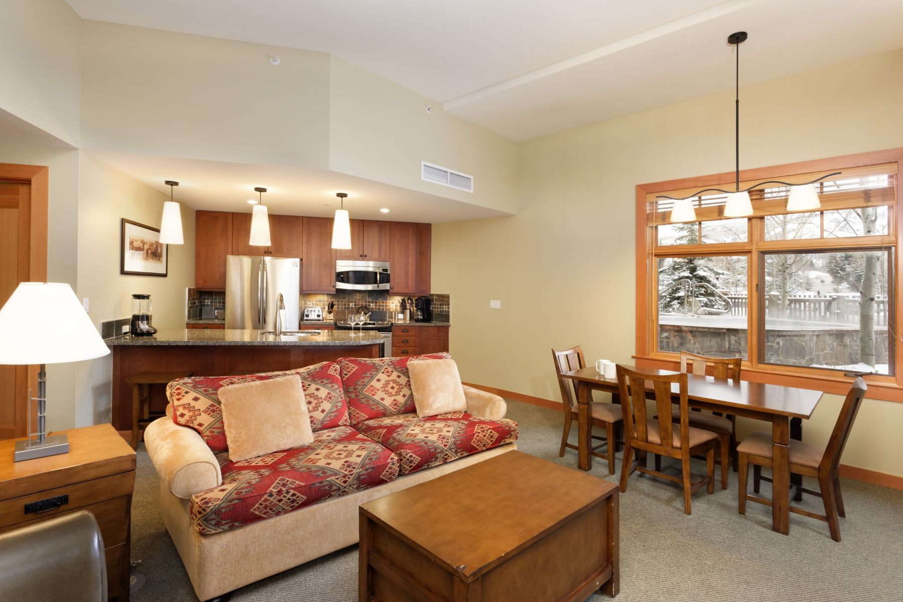 Condominio per Vendita alle ore Unique Value One Bedroom 90 Carriage Way Unit 3119 Snowmass Village, Colorado, 81615 Stati Uniti