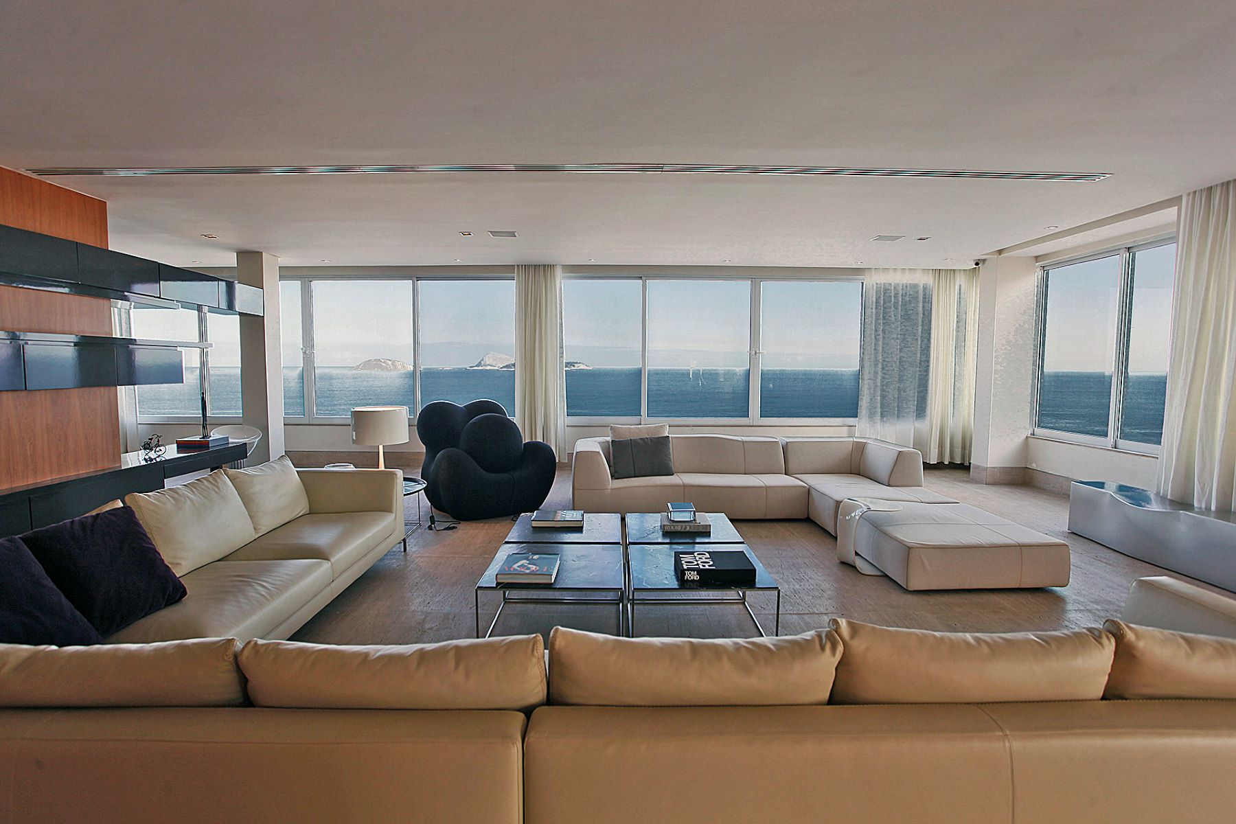 Single Family Homes for Sale at Exclusive penthouse in prime location Other Rio De Janeiro, Rio de Janeiro Brazil