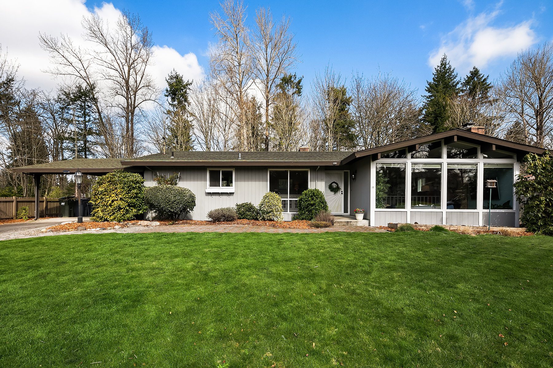 Single Family Homes for Sale at Stunning Mid-Century in East Hill 11636 SE 227th Pl Kent, Washington 98031 United States
