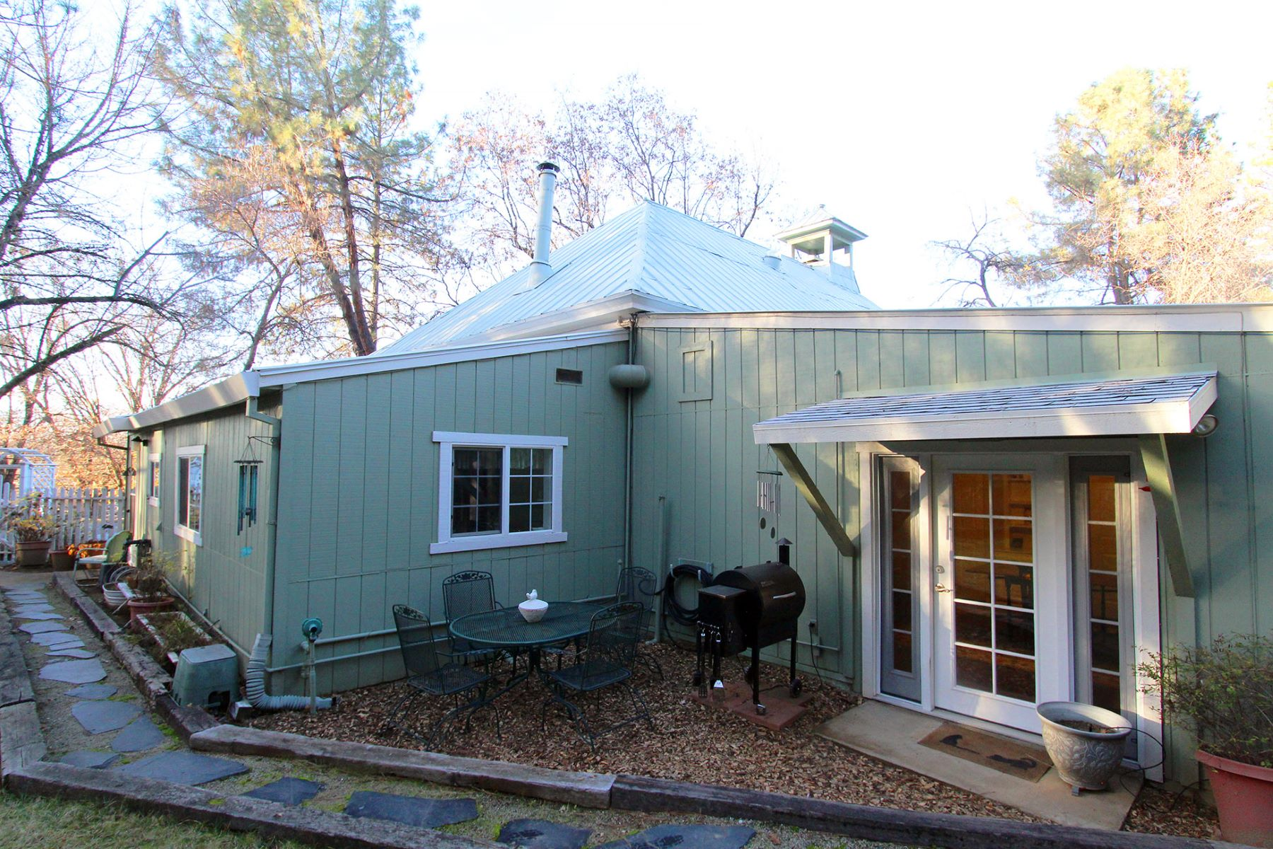 Additional photo for property listing at Classic Country Charmer 4820 Sand Ridge Road Placerville, California 95667 Estados Unidos