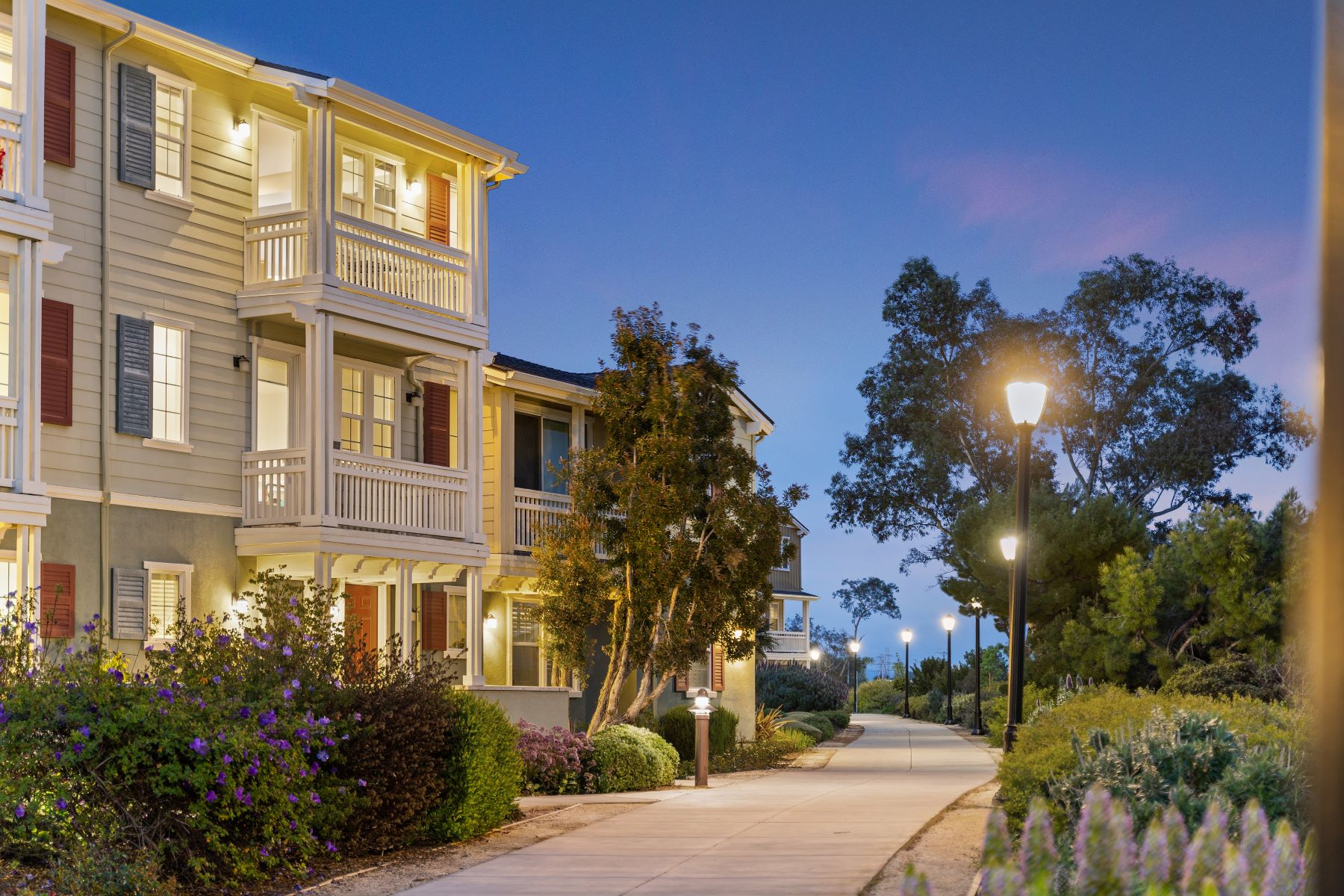 Condominiums for Active at Stunning Water Living in Redwood City 640 Turnbuckle Drive #1611 Redwood City, California 94063 United States