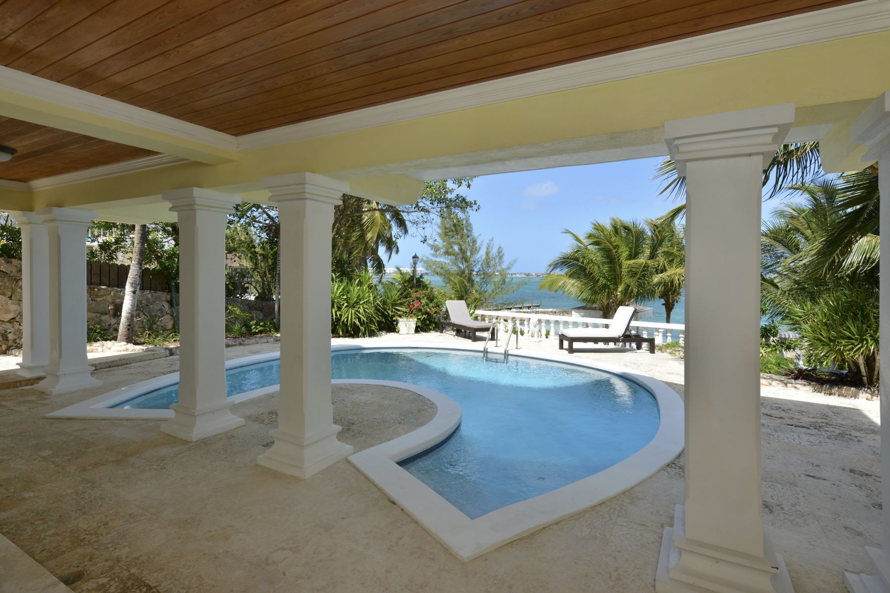 Additional photo for property listing at Half Moon House off Eastern Road Eastern Road, Nueva Providencia / Nassau Bahamas