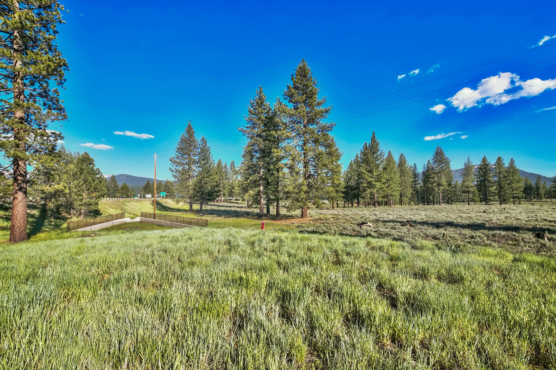 Additional photo for property listing at 9701 North Shore Boulevard, Truckee, CA 9701 North Shore Blvd. 9701 Highway 267 Truckee, California 96161 United States