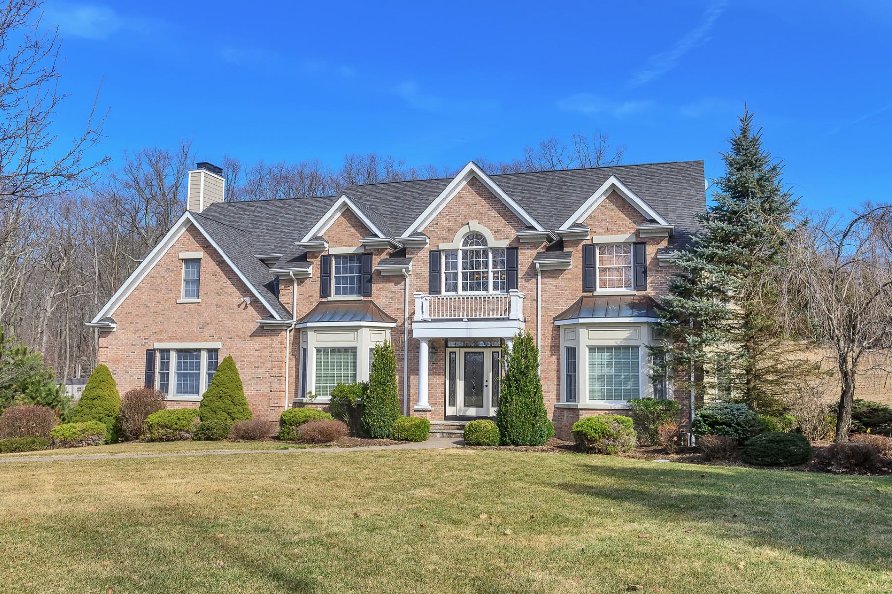 Single Family Homes for Sale at Welcome Home! 4 Staffordshire Ct Sparta, New Jersey 07871 United States