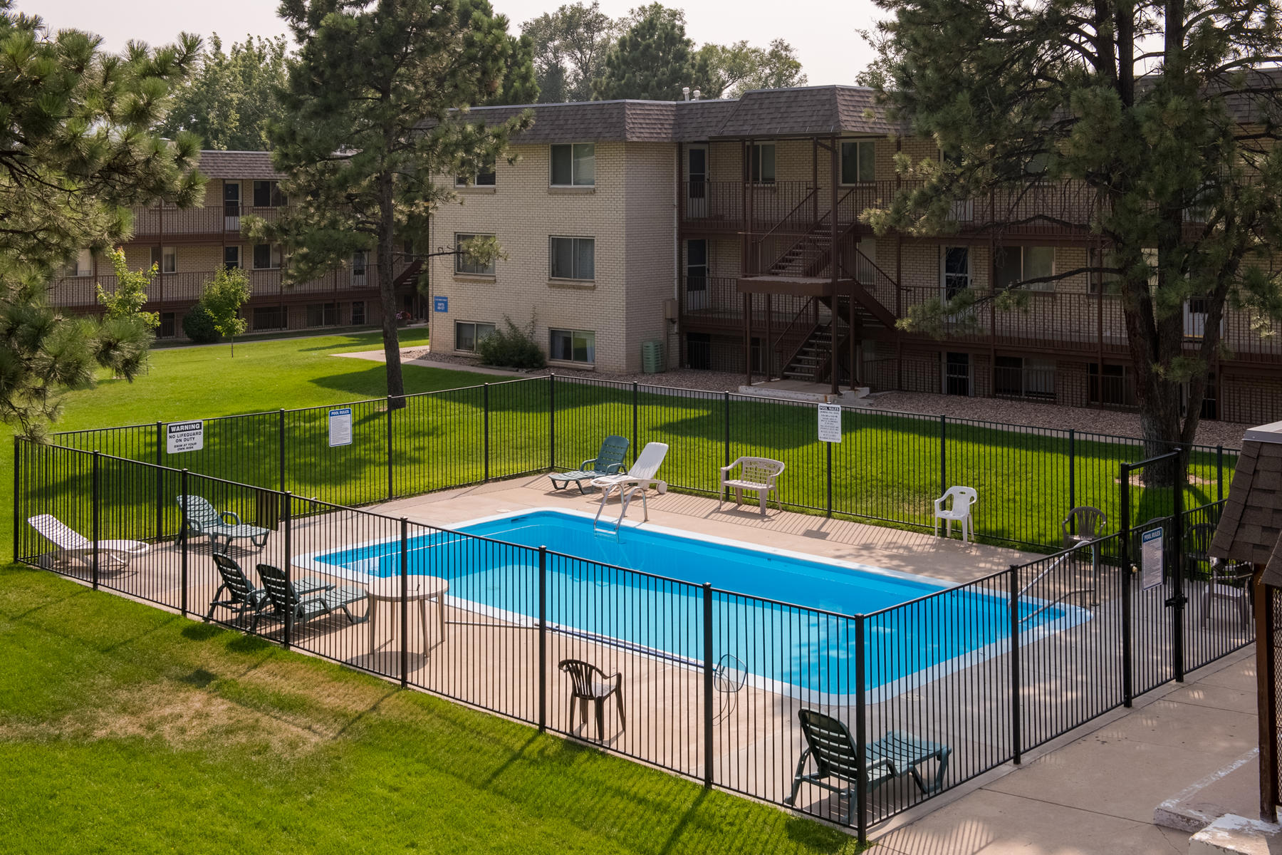 Condominiums for Sale at Updated Condo in a Great Applewood Location! 1723 Robb Street Unit #49 Lakewood, Colorado 80215 United States
