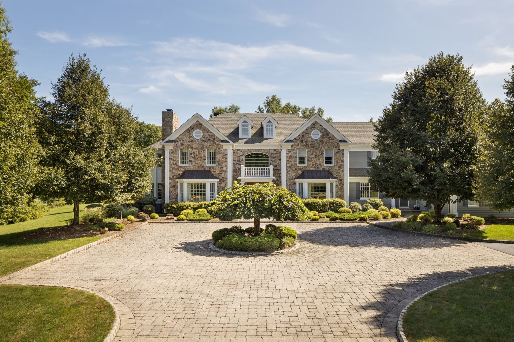 Single Family Homes for Sale at Exceptional Custom Residence 17 Beaver Creek Court Basking Ridge, New Jersey 07920 United States