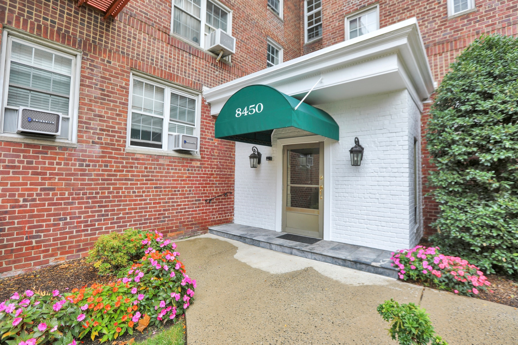 Additional photo for property listing at Woodcliff Gardens 8450 Boulevard East, 2C, North Bergen, 新澤西州 07047 美國