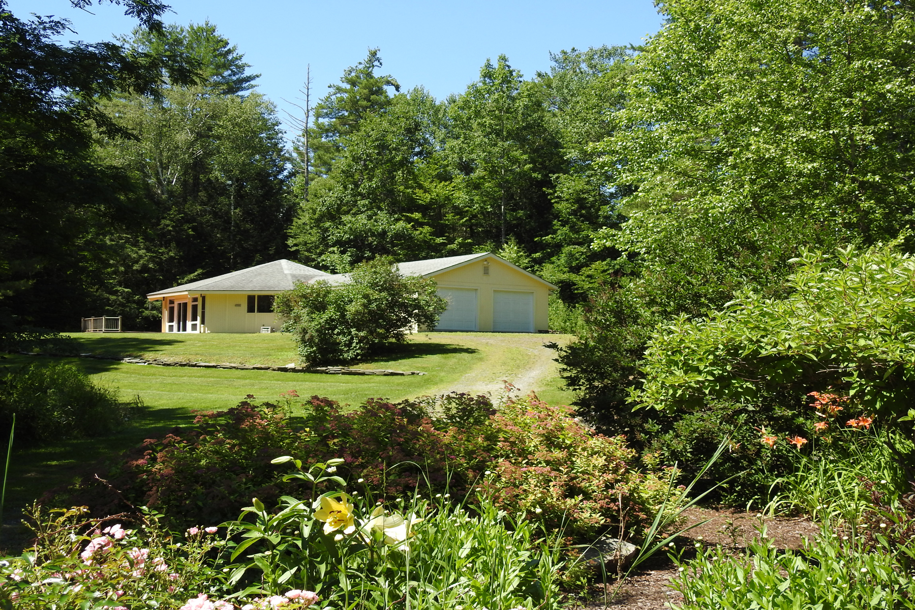 Single Family Homes for Sale at 2130 Vermont 30s Route, Poultney 2130 Vermont 30s Route Poultney, Vermont 05764 United States