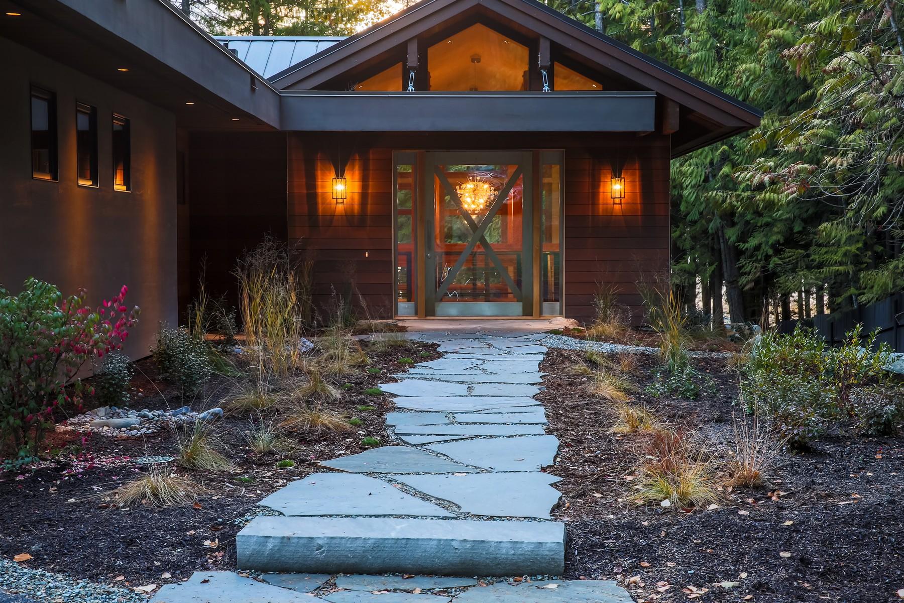 独户住宅 为 销售 在 2532 E Lakeshore Dr , Whitefish, MT 59937 怀特菲什, 蒙大拿州, 59937 美国