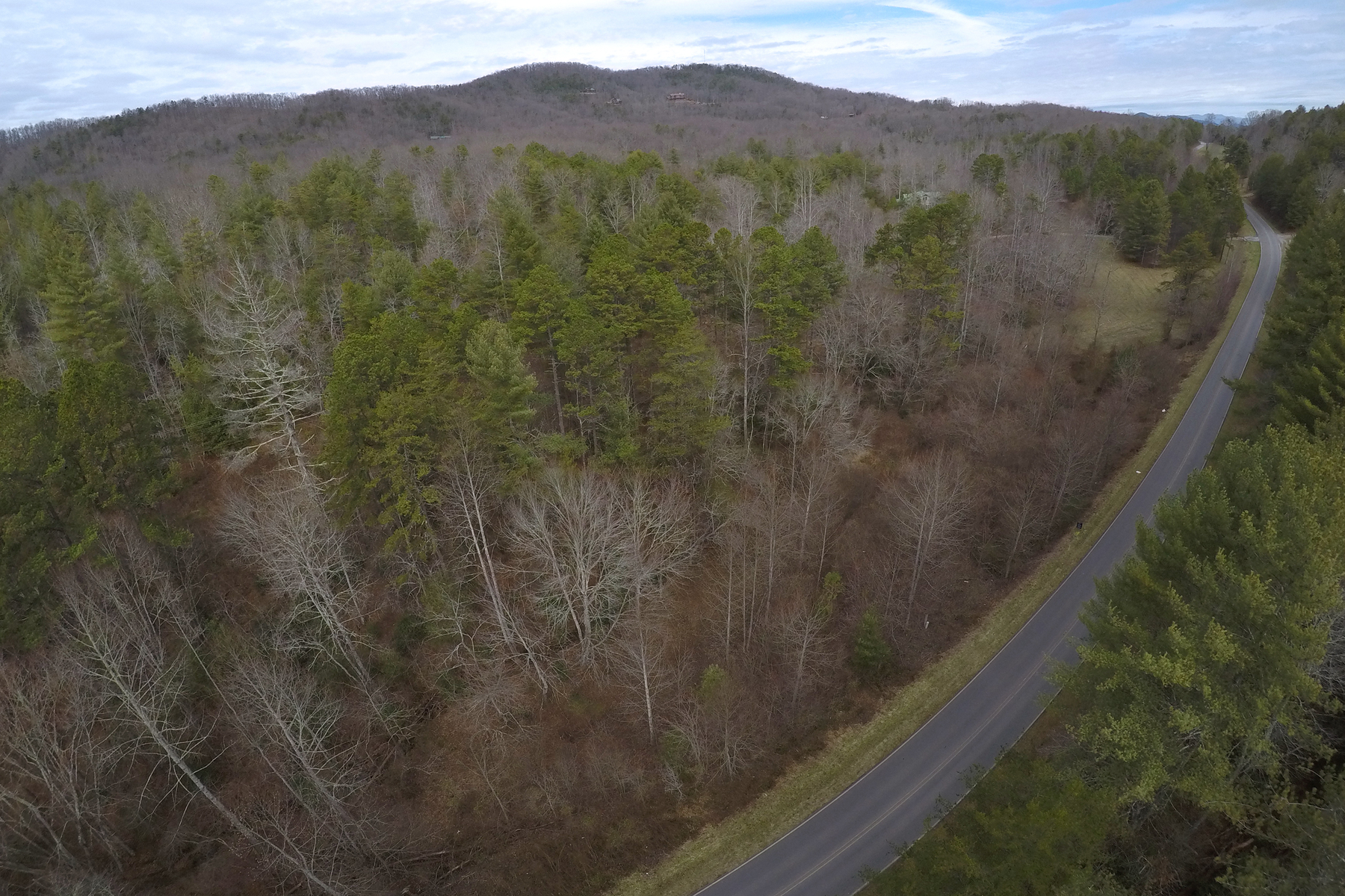 Земля для того Продажа на 22 Acres of Beautiful, Non-Restricted Mountain Property 24AC Hardscrabble Road Mineral Bluff, Джорджия 30559 Соединенные Штаты