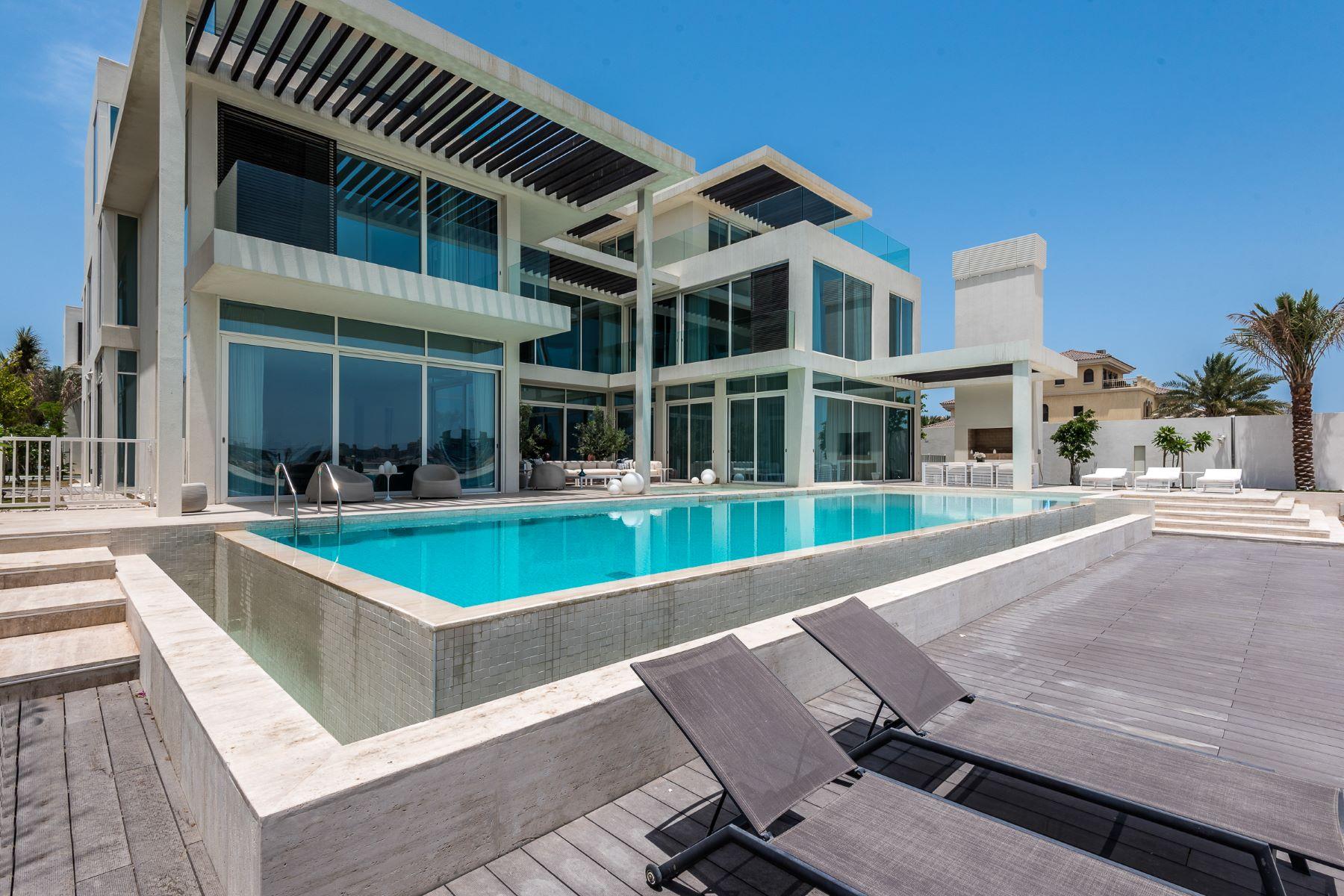 Single Family Home for Sale at Luxury Modern Tip Villa Palm Jumeriah, Dubai, Dubai United Arab Emirates