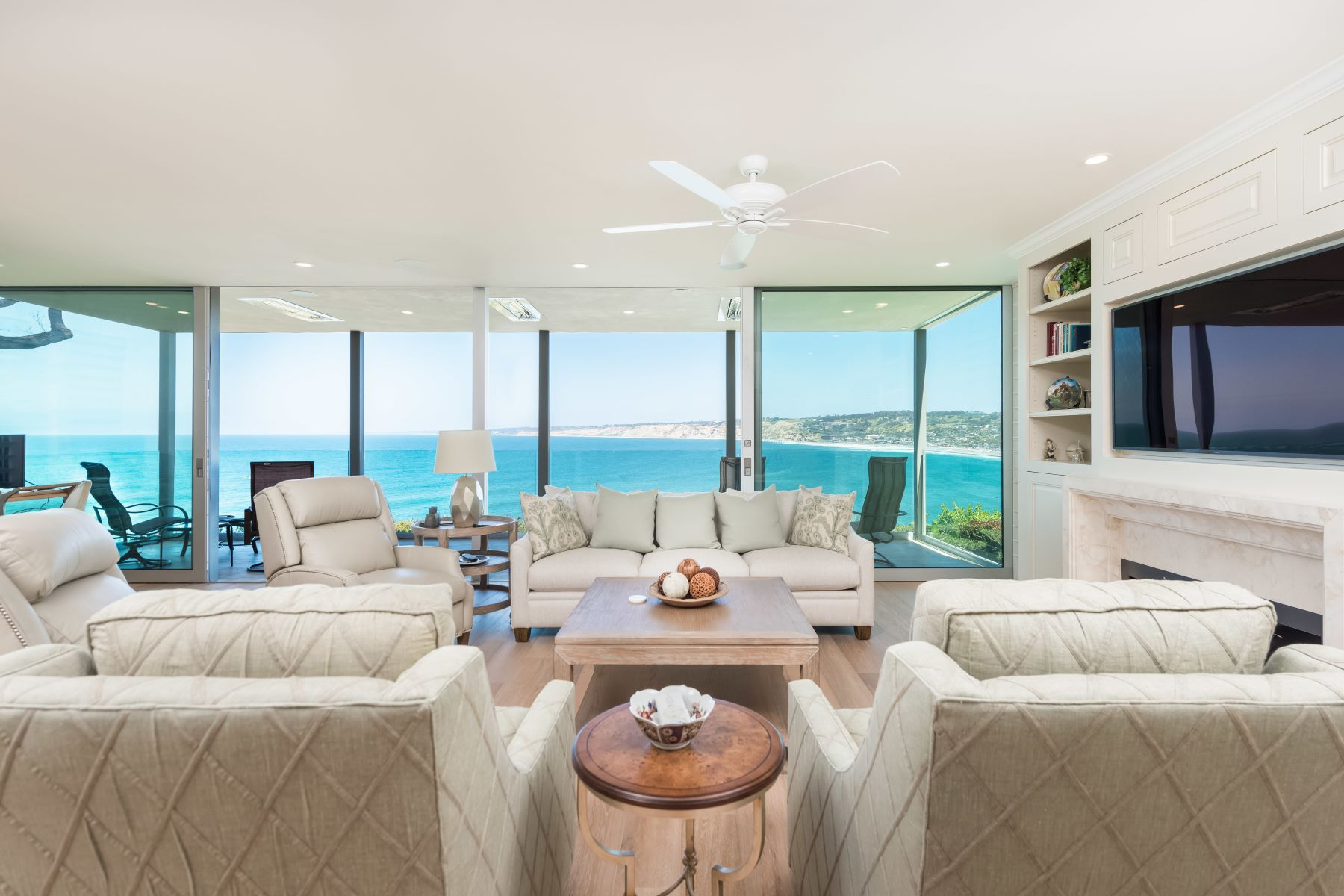 Condominiums for Active at 7933 Prospect Pl 2 La Jolla, California 92037 United States