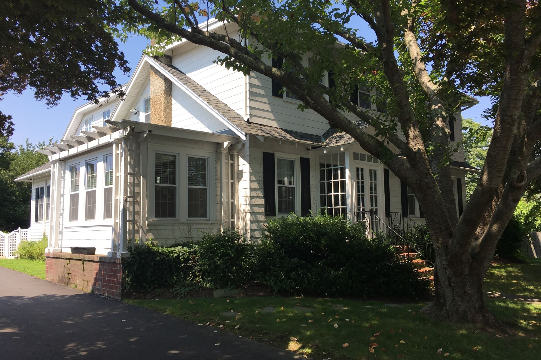Single Family Homes for Sale at Kay/Catherine Colonial 110 Kay Street Newport, Rhode Island 02840 United States