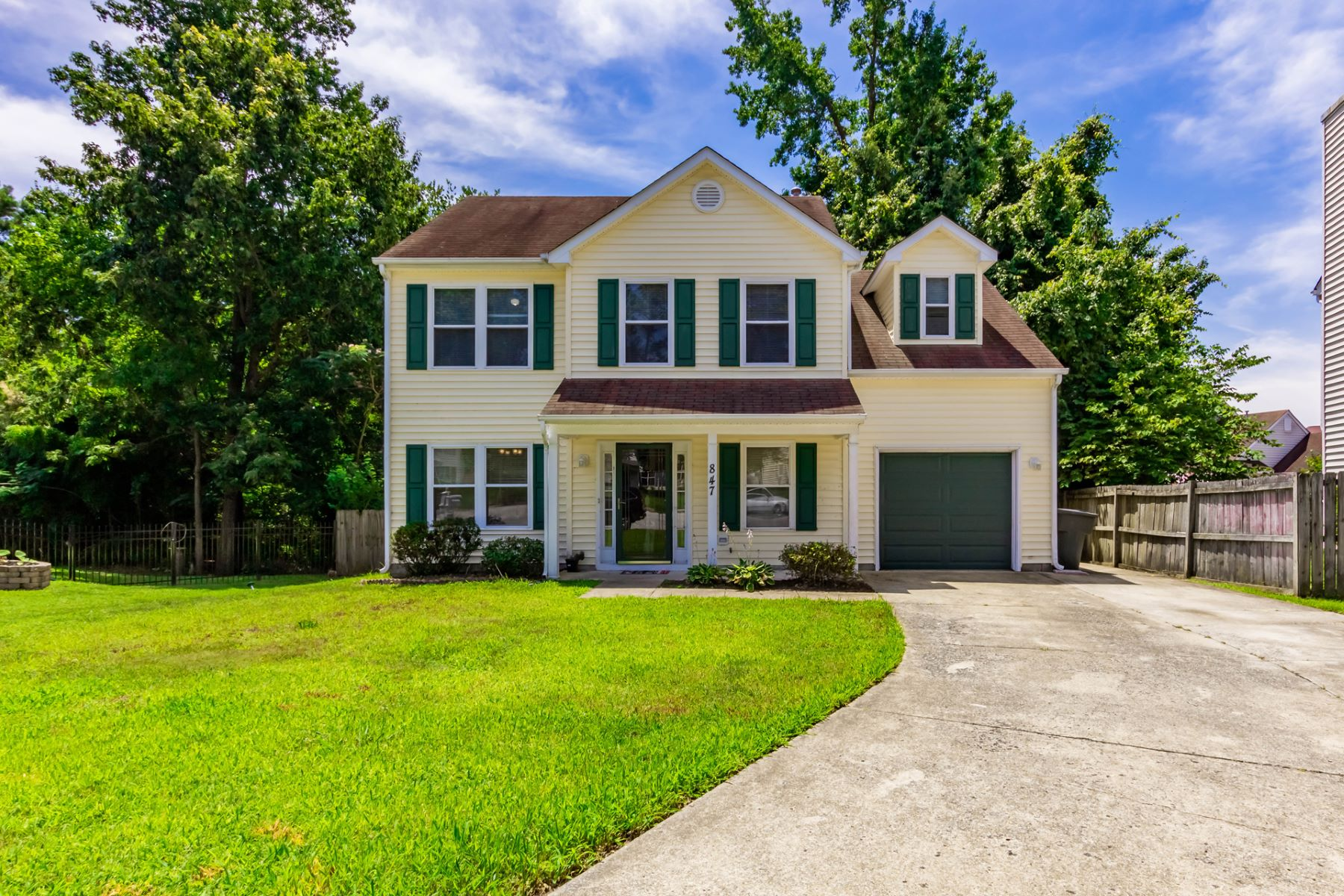 Single Family Homes for Sale at Clipper Creek 847 Chapin Wood Dr Newport News, Virginia 23608 United States