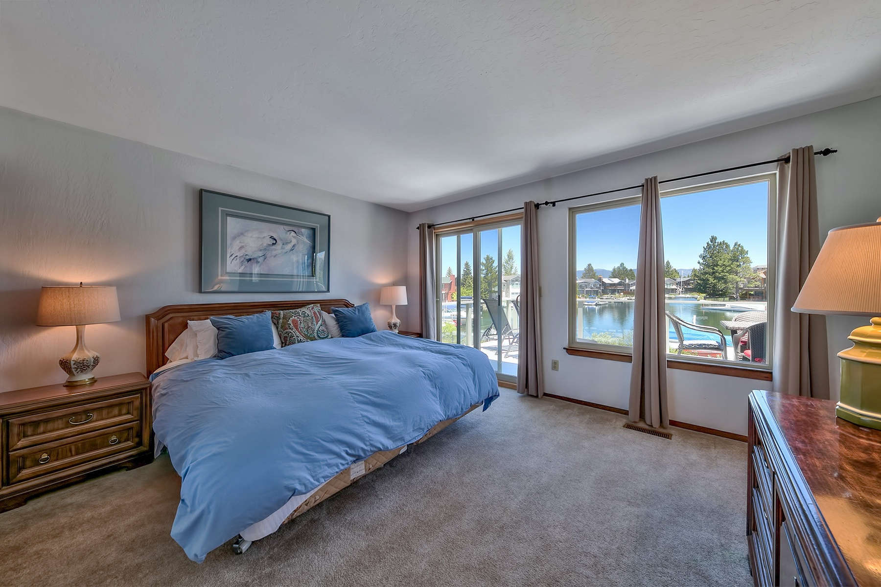 Additional photo for property listing at 573 Alpine View Drive, South Lake Tahoe, CA 573 Alpine Drive South Lake Tahoe, California 96150 United States