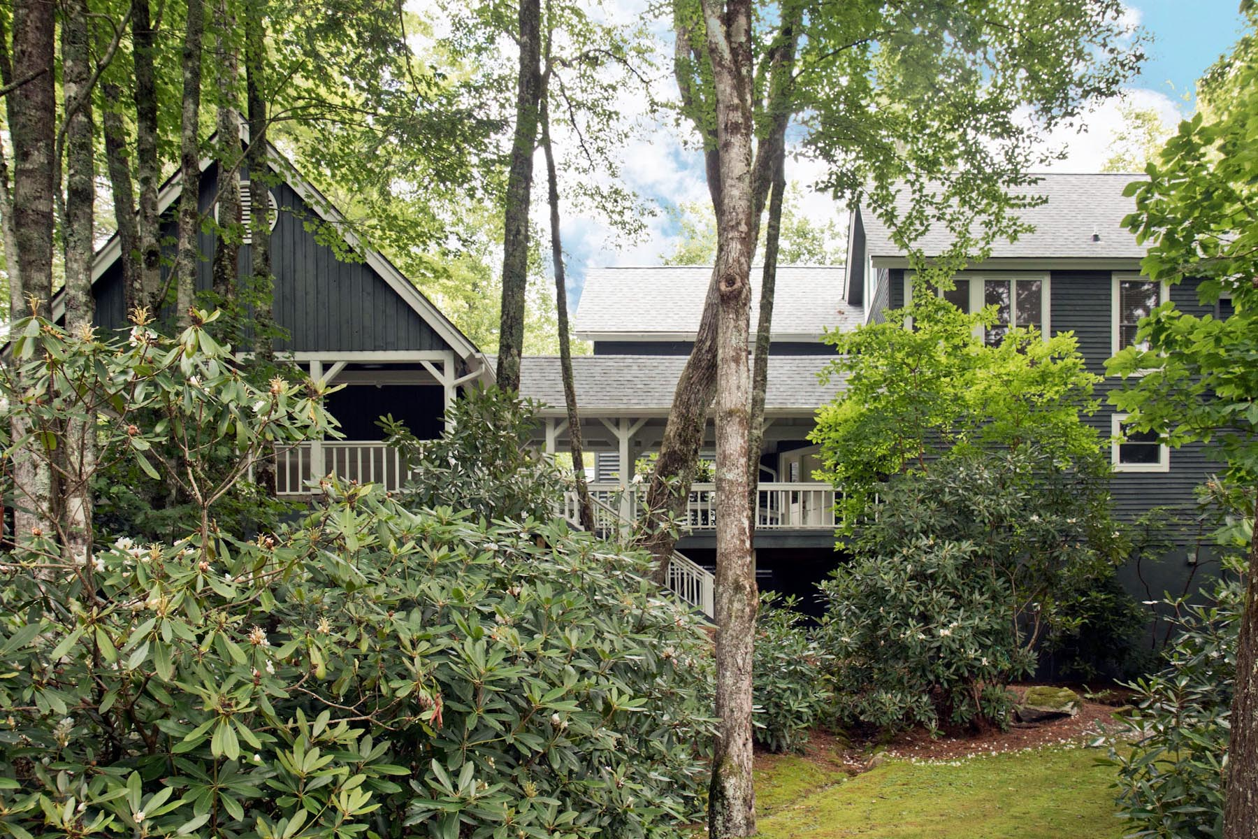 Single Family Home for Sale at 121 Crescent Trail Highlands, North Carolina, 28741 United States