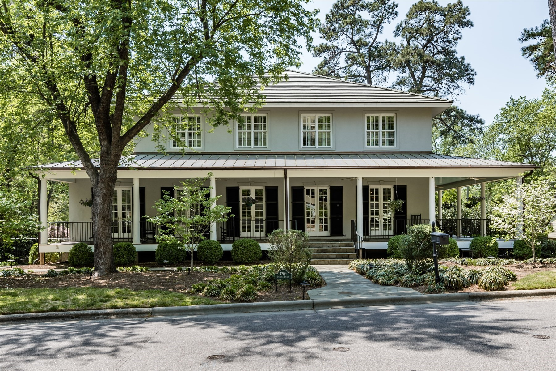 Single Family Home for Sale at North Hills Luxury Home 4209 Pamlico Drive Raleigh, North Carolina, 27609 United StatesIn/Around: Cary, Chapel Hill, Durham