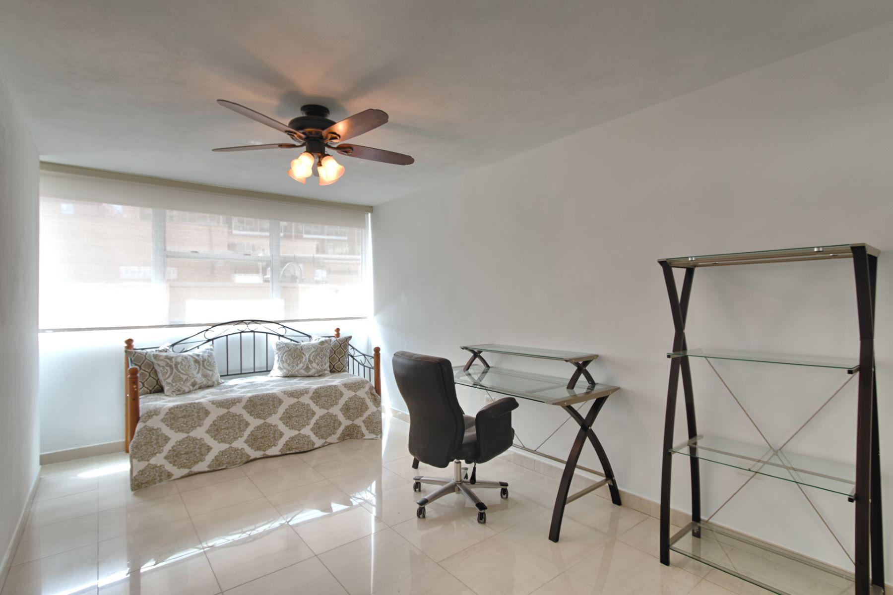 Additional photo for property listing at Ocean Front at Aquamarina 1315 Ashford Avenue San Juan, Puerto Rico 00907 Puerto Rico