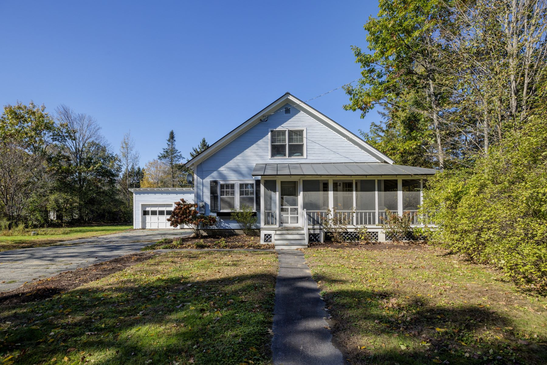 Single Family Home for Sale at 97 Lakeshore Road, Thetford 97 Lakeshore Rd Thetford, Vermont 05074 United States