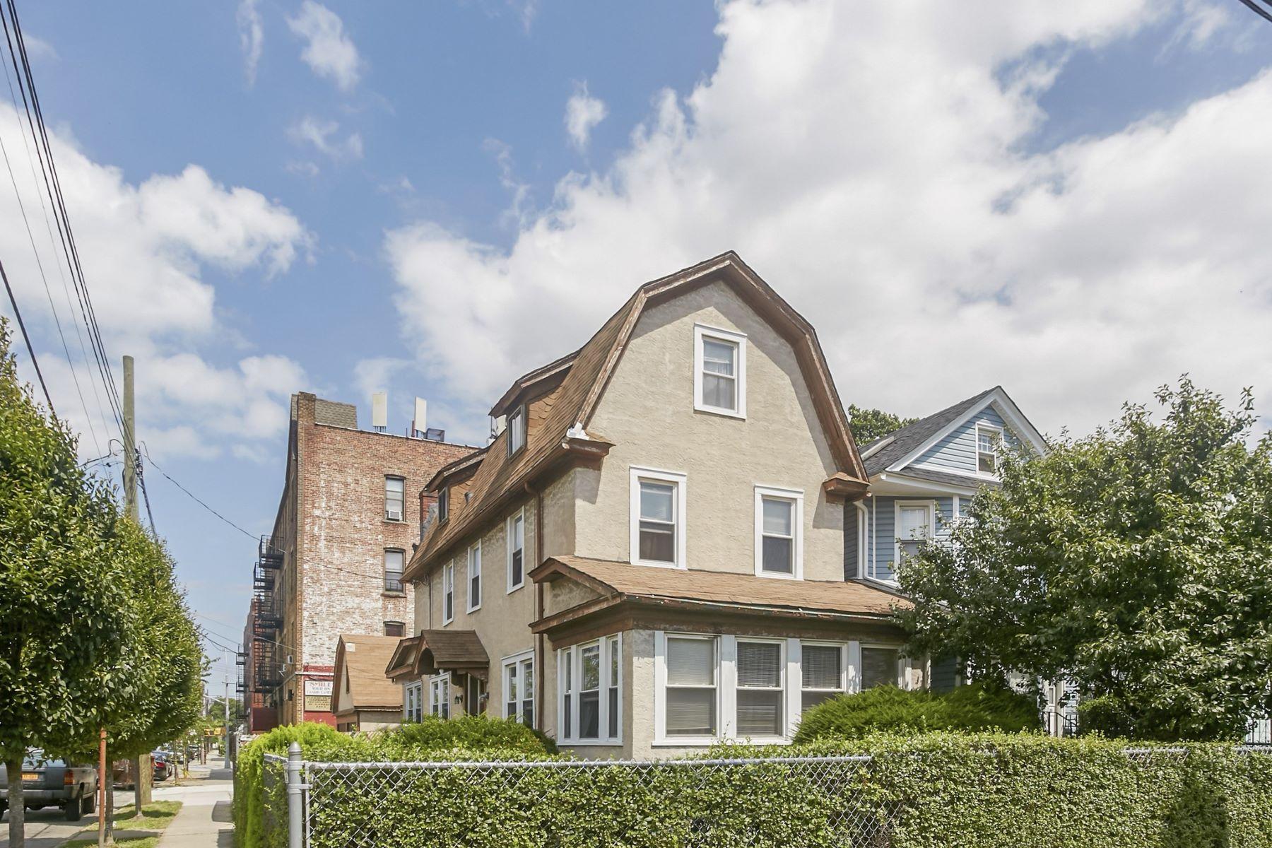 Casa Unifamiliar por un Venta en 118-04 91st Avenue , Richmond Hill, NY 11418 118-04 91st Avenue Richmond Hill, Nueva York 11418 Estados Unidos