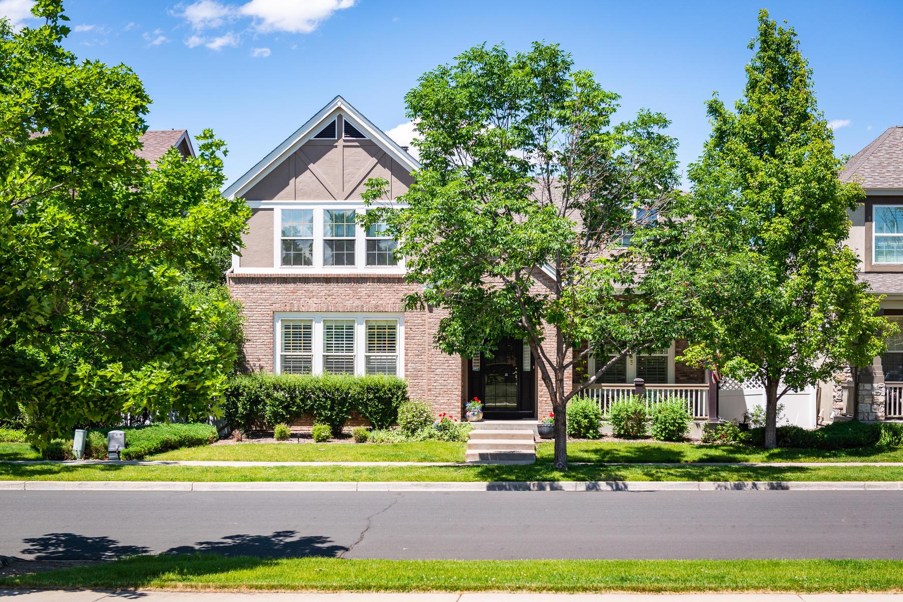 Property для того Продажа на Rare Main Floor Master Retreat facing Bayaud Park 7363 E Bayaud Avenue, Denver, Колорадо 80230 Соединенные Штаты