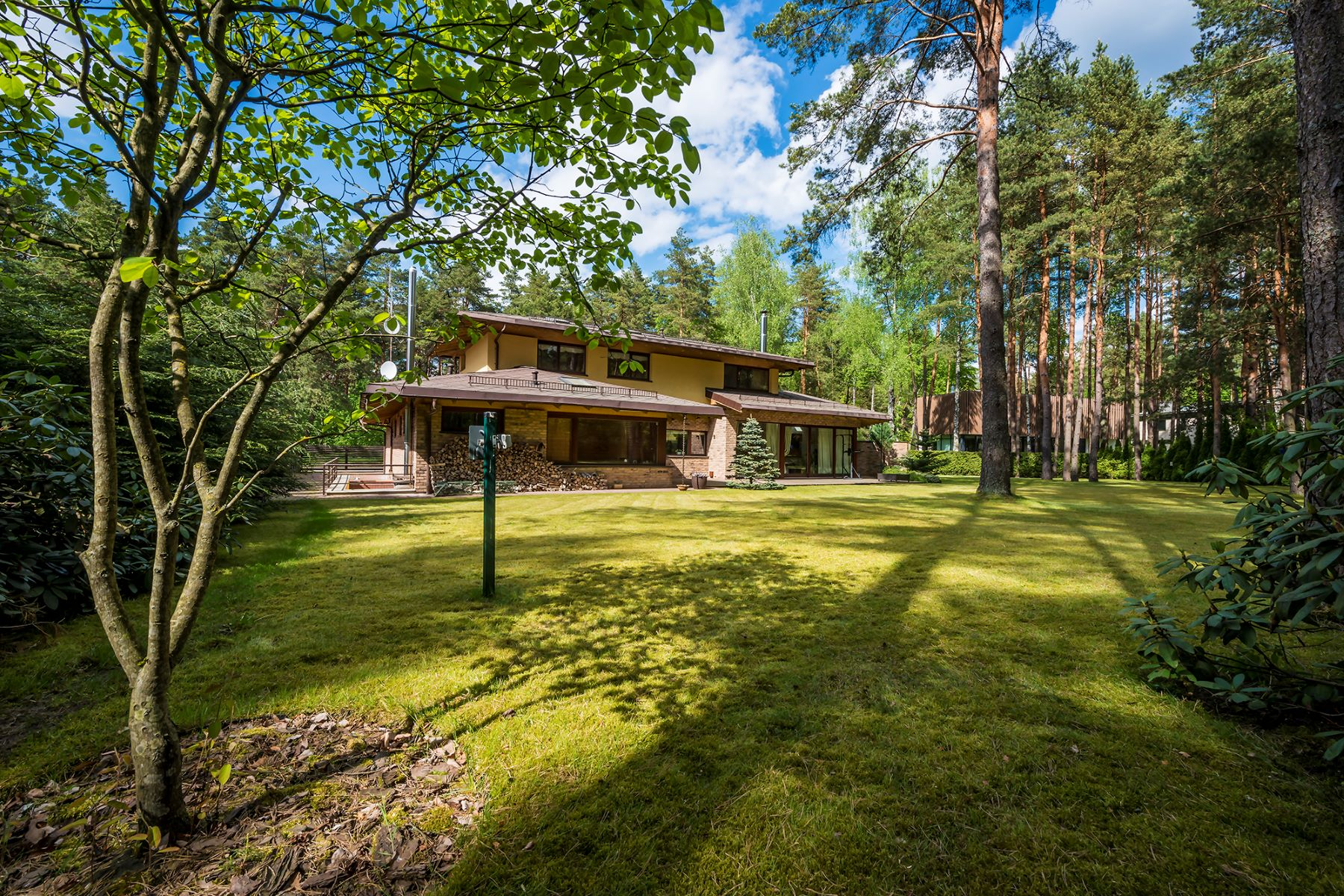 واحد منزل الأسرة للـ Sale في Provence Interior House Surrounded By Pines In Valakampiai Vilnius, Vilnius County, Lithuania