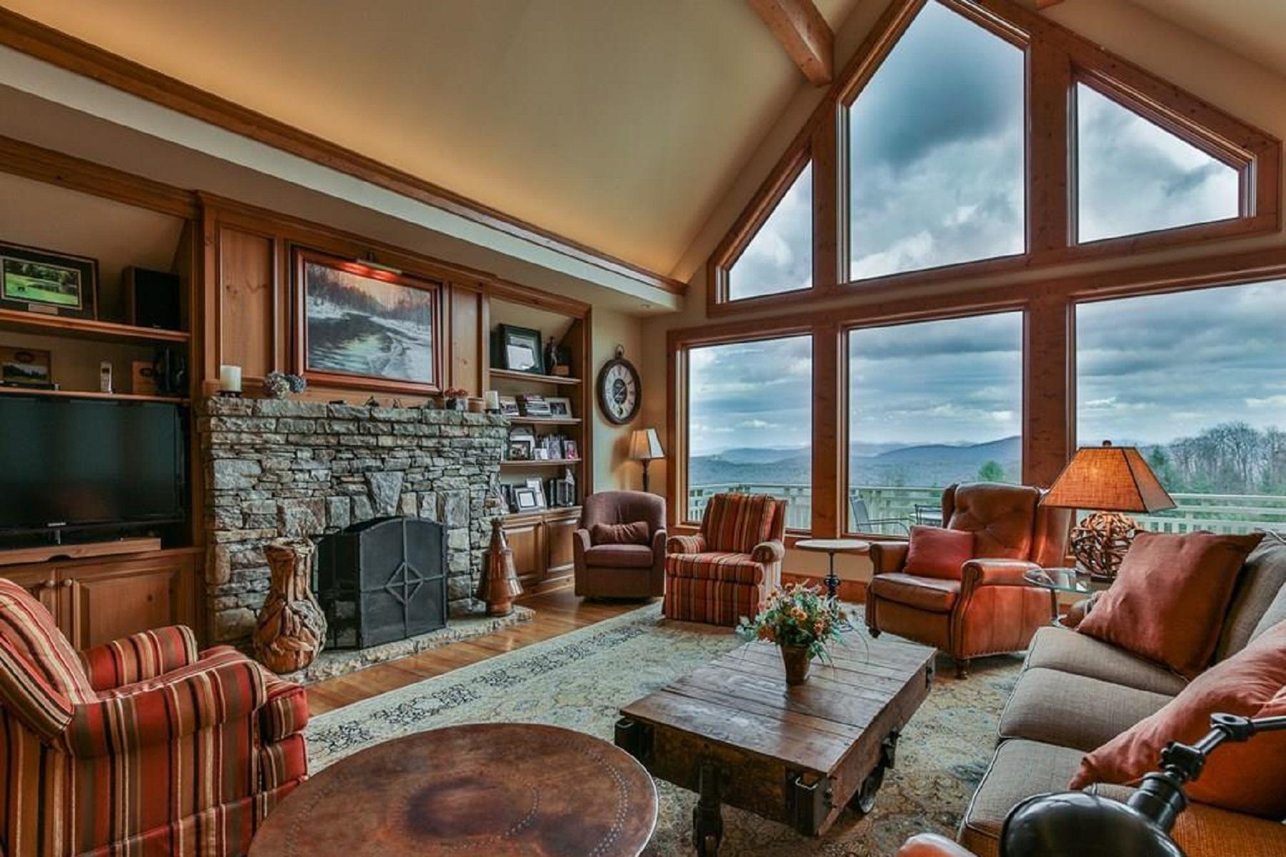 Single Family Homes for Sale at 622 Whiteside Mountain Road Highlands, North Carolina 28741 United States
