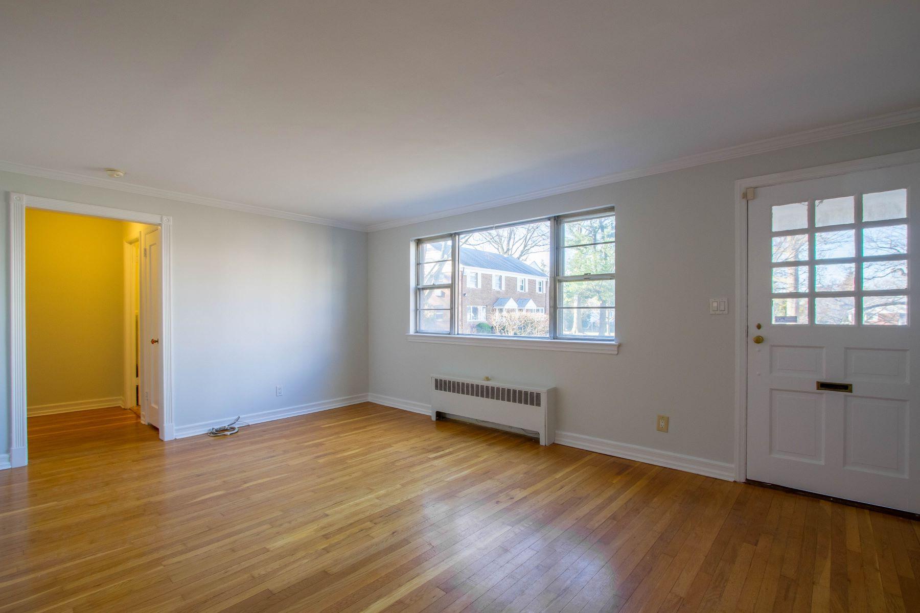 共管式独立产权公寓 为 销售 在 99 Manor Drive 雷德班克, 新泽西州, 07701 美国