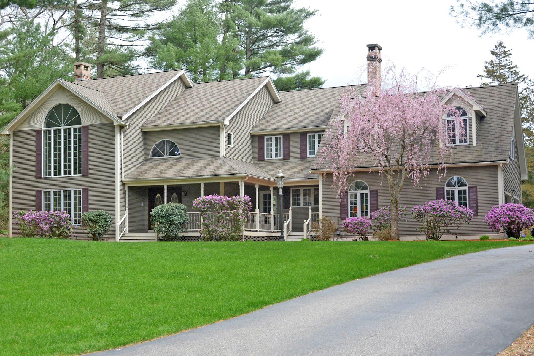 Single Family Homes for Sale at 7 Jorie Lane, Walpole 7 Jorie Lane Walpole, Massachusetts 02081 United States
