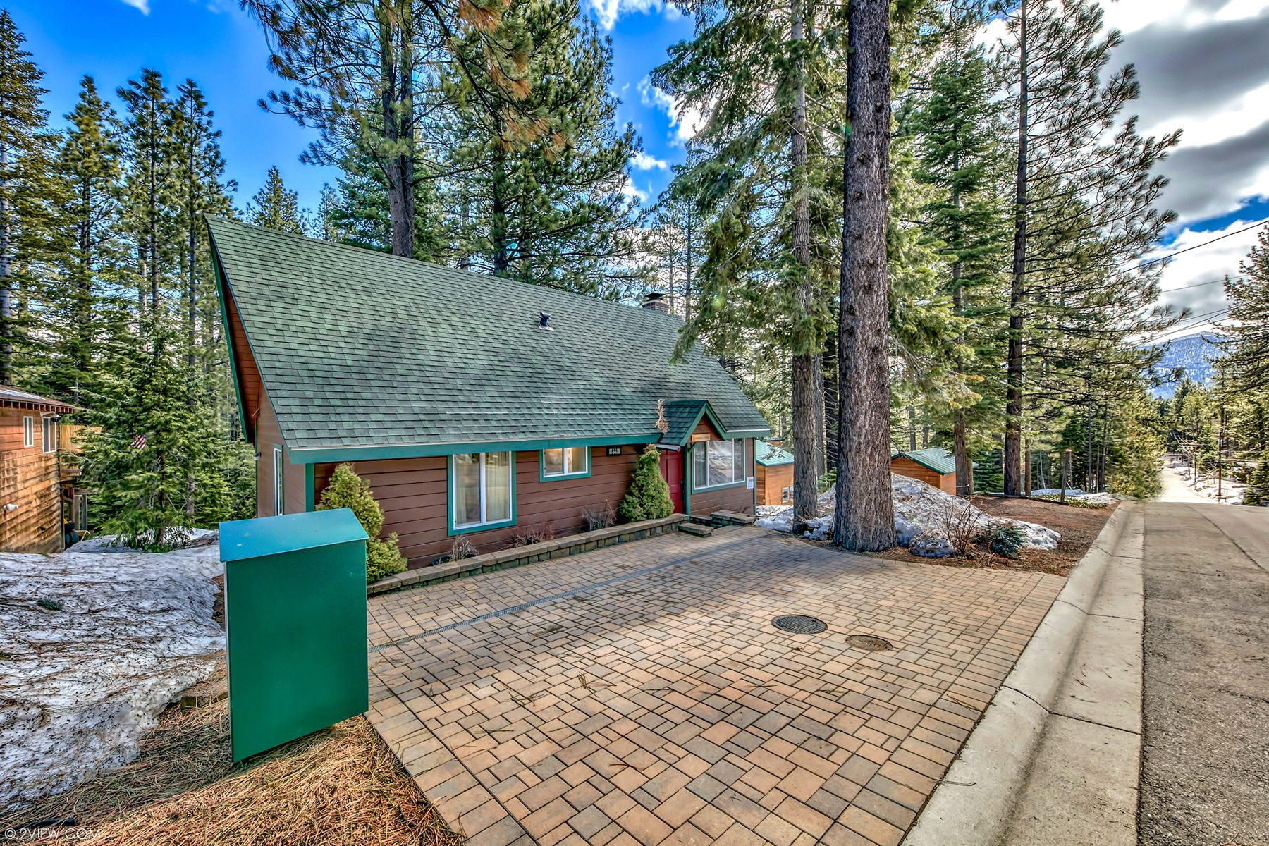 Additional photo for property listing at 855 Clement Street, South Lake Tahoe, CA 96150 855 Clement Street South Lake Tahoe, California 96150 United States