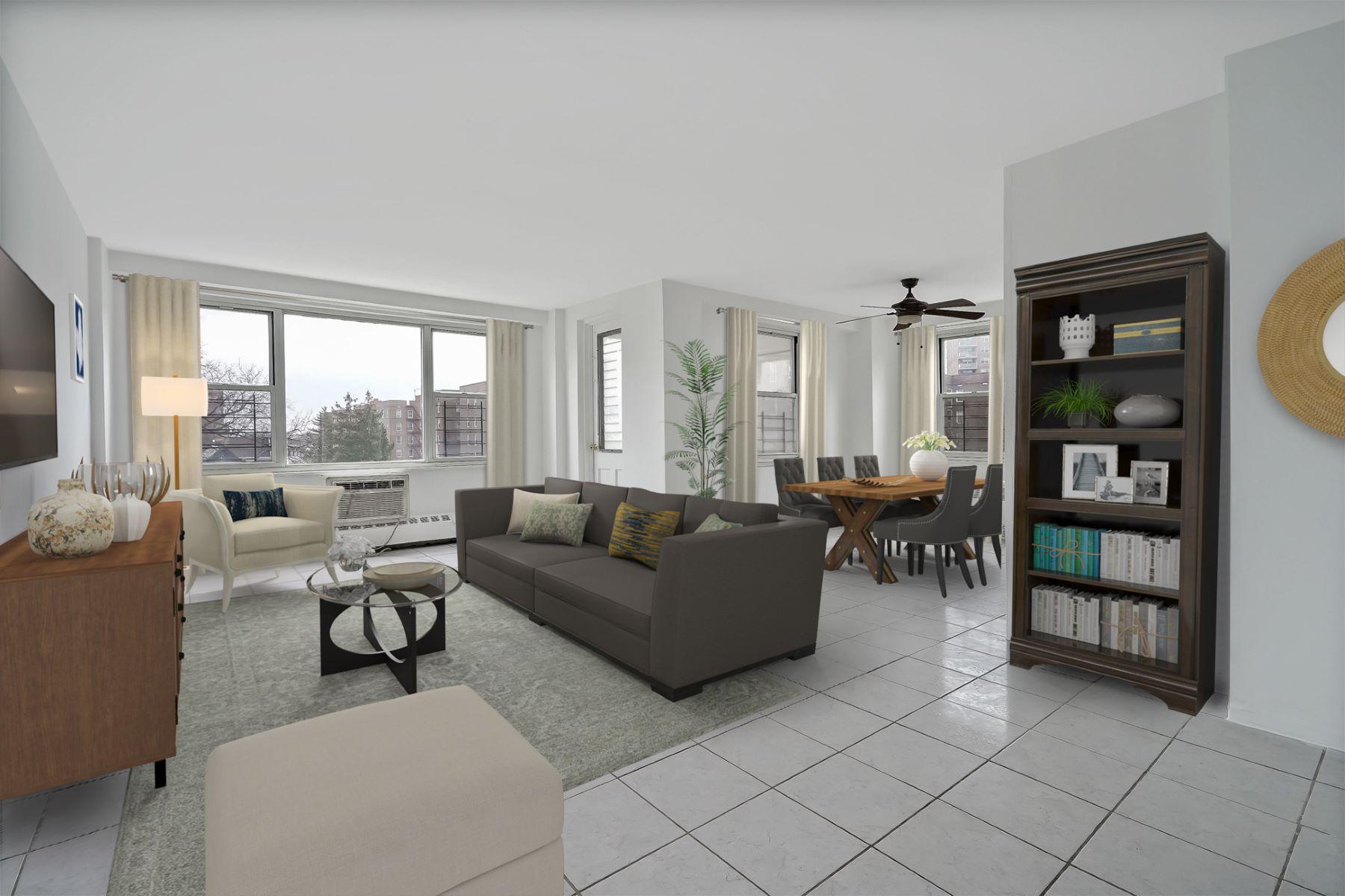 Co-op Properties por un Venta en 3215 Avenue H 5P Brooklyn, Nueva York 11210 Estados Unidos