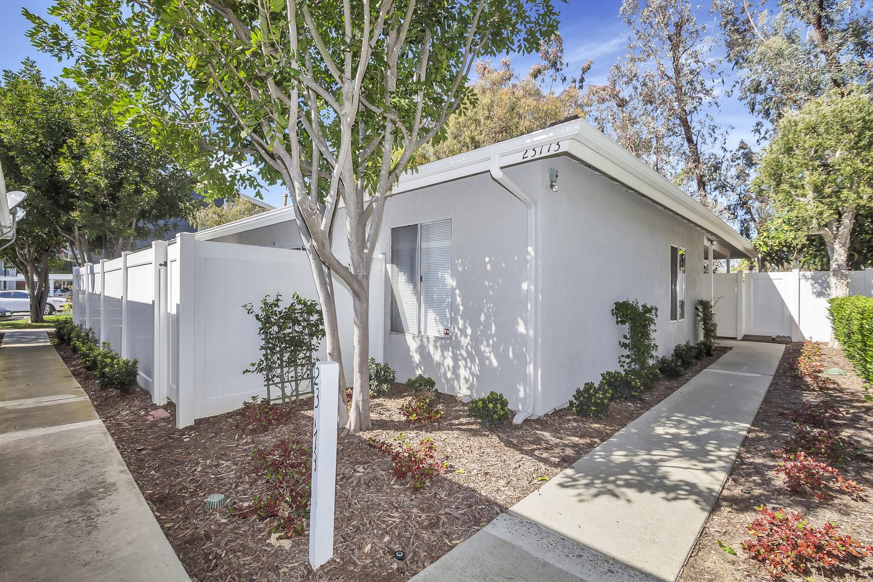 Частный односемейный дом для того Продажа на 23773 N. Shore Lane #67 23772 N. Shore Lane #67 Laguna Niguel, Калифорния 92677 Соединенные Штаты