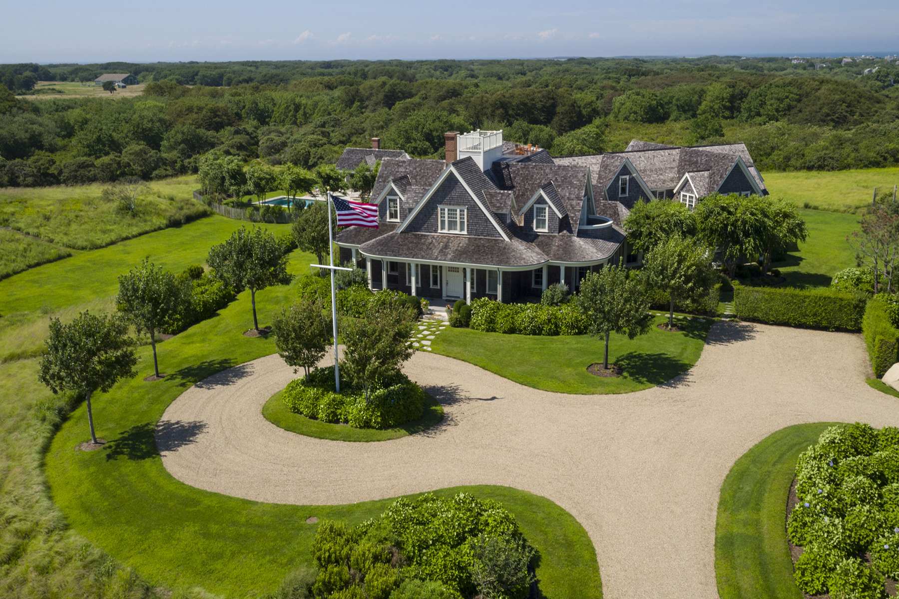 Maison unifamiliale pour l Vente à Private Estate Over 14 Acres 30R Quidnet Rd Nantucket, Massachusetts, 02554 États-Unis
