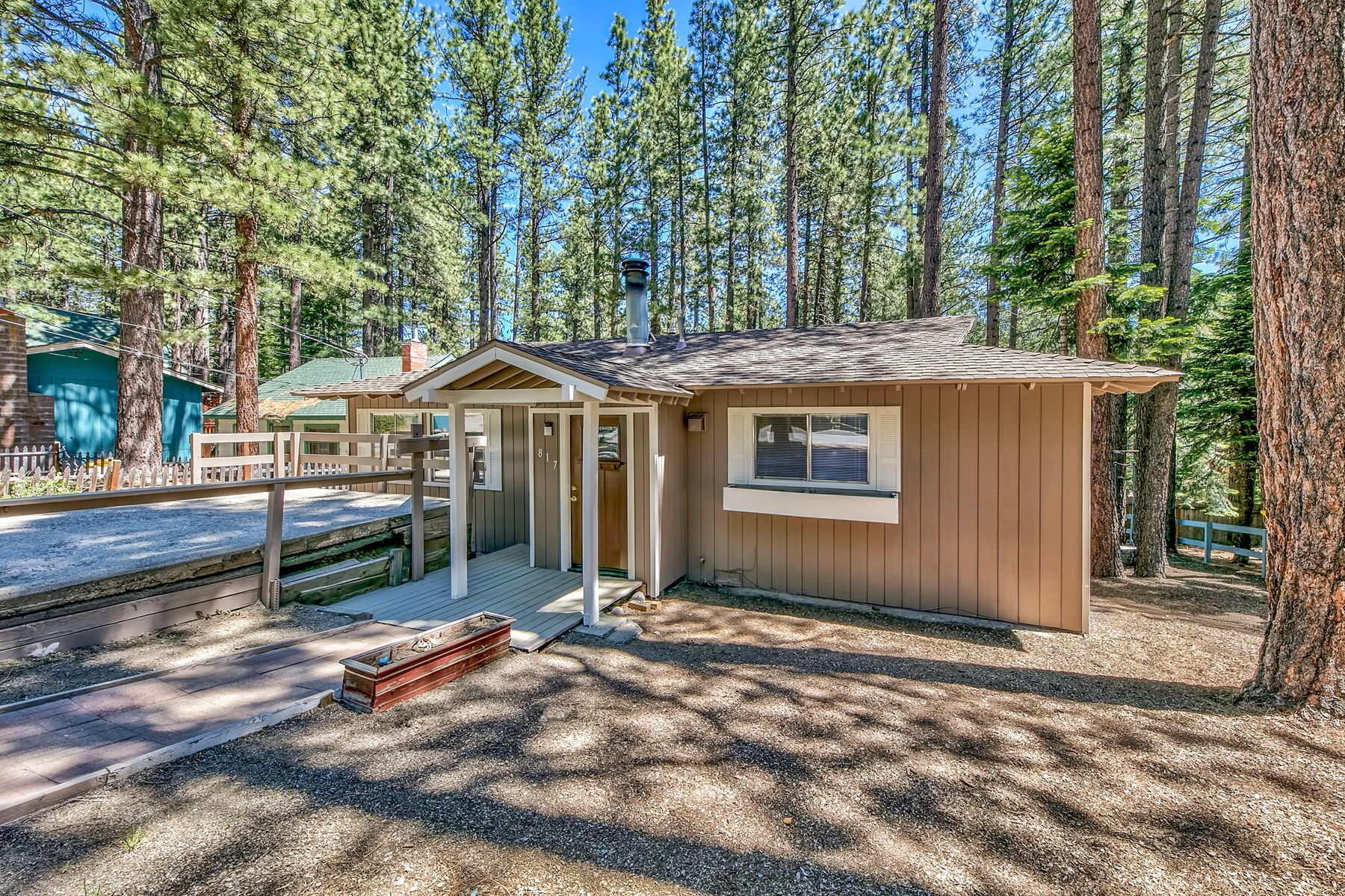 Single Family Homes for Active at 817 Tata Lane, South Lake Tahoe, CA 96150 817 Tata Lane South Lake Tahoe, California 96150 United States
