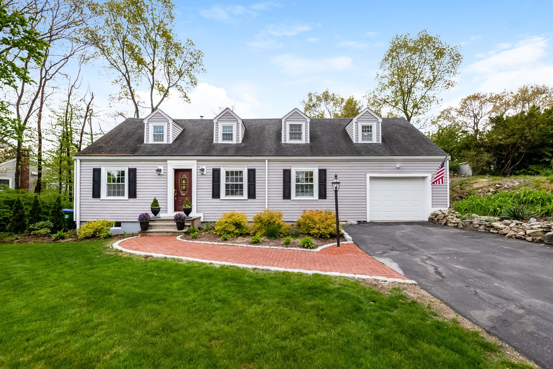Single Family Home for Active at 98 Westchester Drive Westwood, Massachusetts 02090 United States