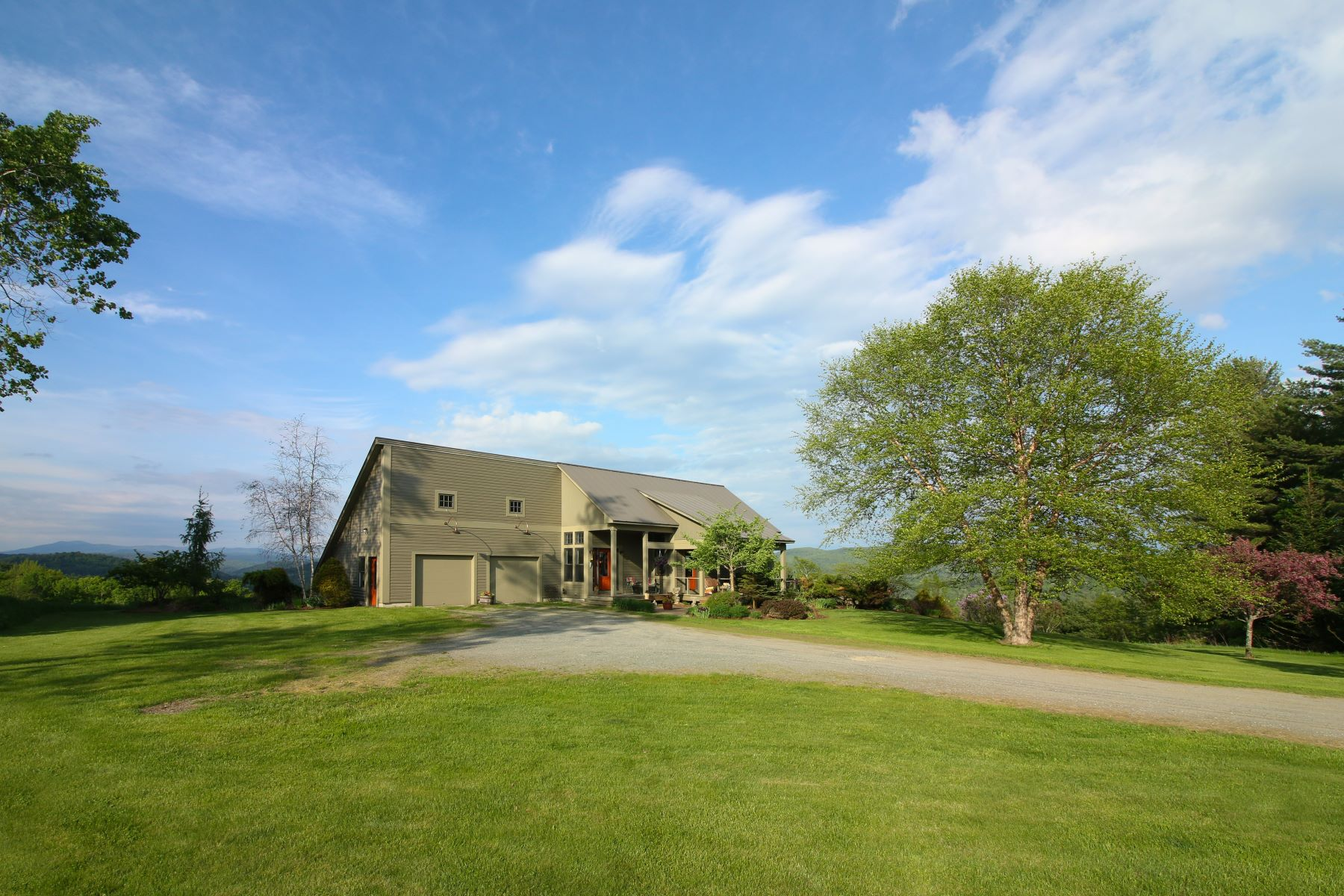 Single Family Homes for Sale at Pickle Hill House 1176 Kitchel Hill Rd Barnet, Vermont 05821 United States