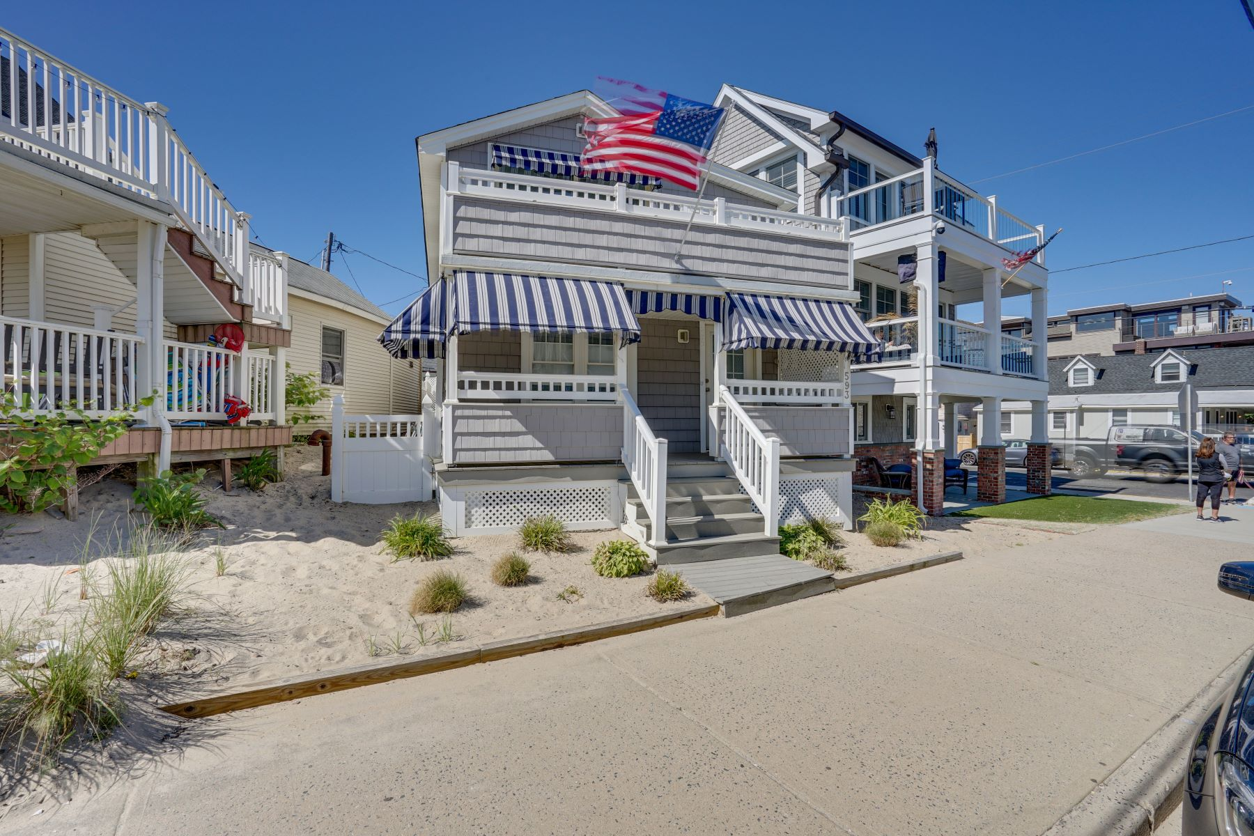 Single Family Homes for Sale at Little Piece of Paradise 593 Brielle Road Manasquan, New Jersey 08736 United States