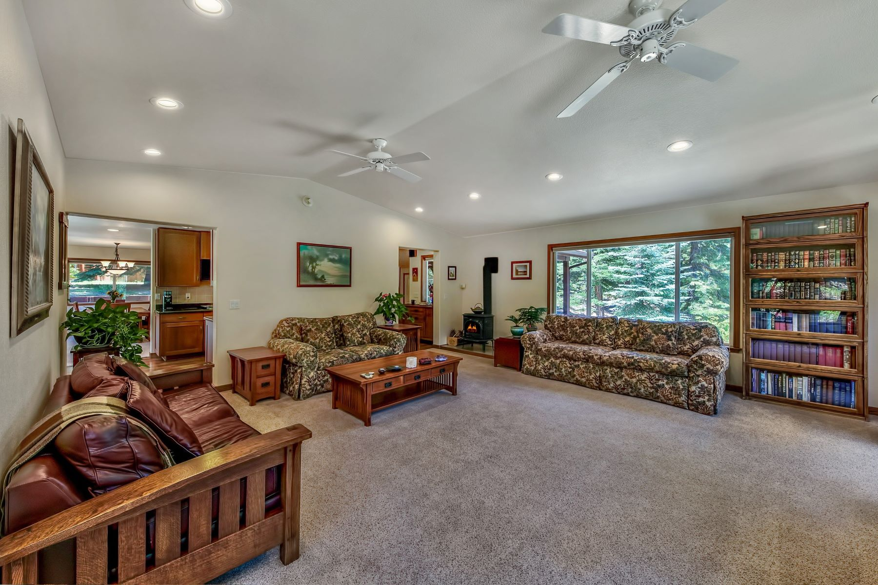 Additional photo for property listing at 2341 Sierra House Trail, South Lake Tahoe, CA 96150 2341 Sierra House Trail South Lake Tahoe, California 96150 United States