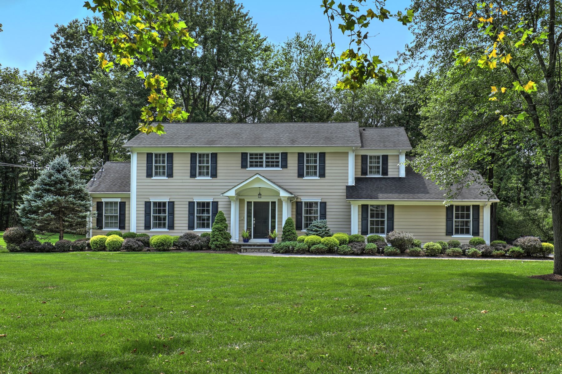 Single Family Homes for Sale at Exceptional Custom Colonial 5 Byron Drive Basking Ridge, New Jersey 07920 United States