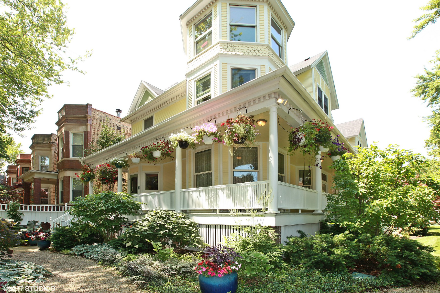 独户住宅 为 销售 在 One of a Kind Lakeview Victorian Masterpiece! 1904 W Patterson Avenue, Lakeview, 芝加哥, 伊利诺斯州, 60613 美国