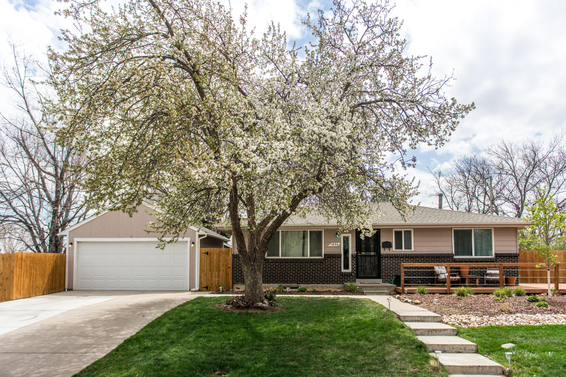 Additional photo for property listing at Cloverdale West 1844 S Dover Way Lakewood, Colorado 80232 United States