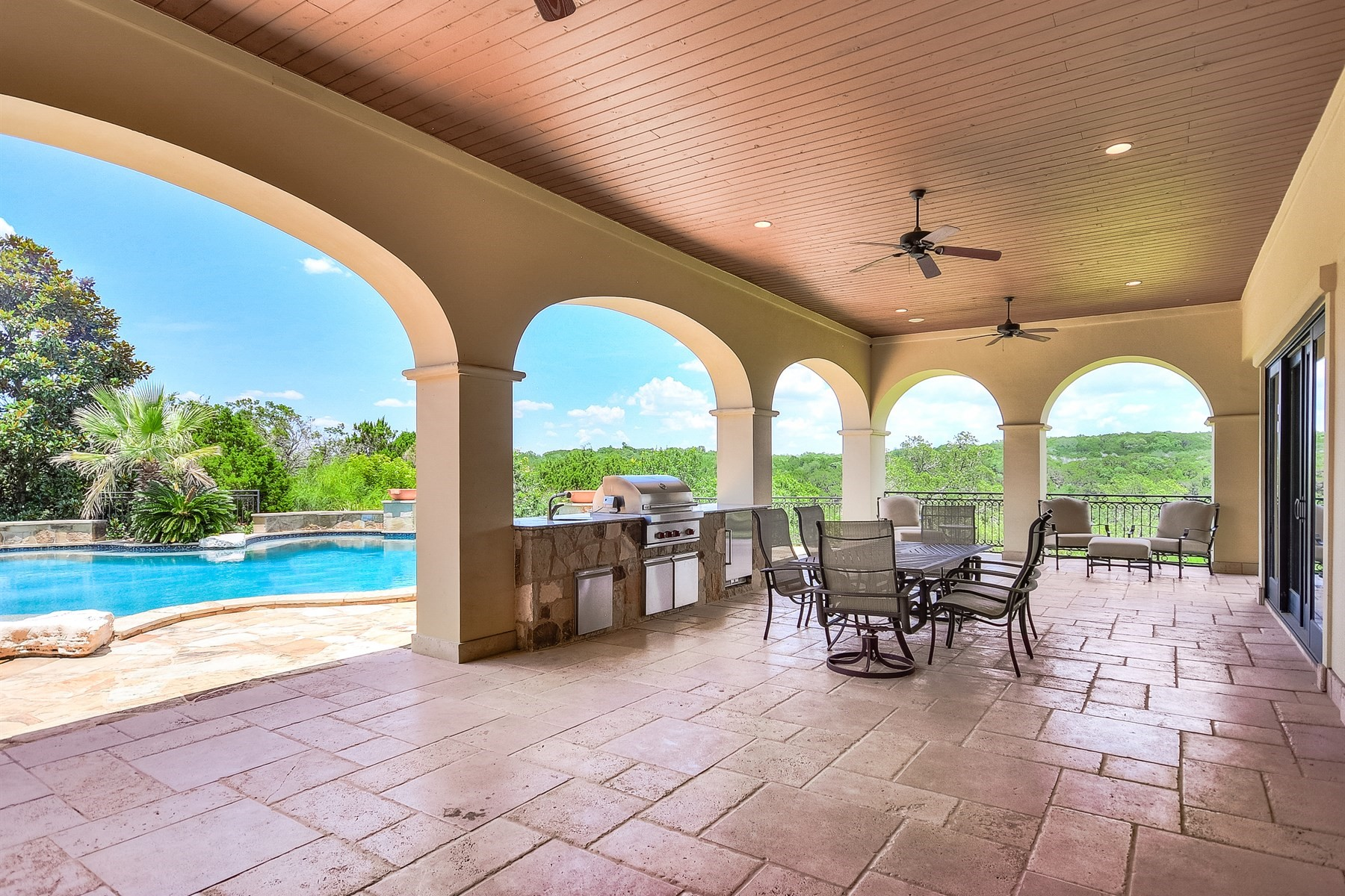 Additional photo for property listing at 9113 Camelback Dr 9113 Camelback Dr Austin, Texas 78733 Estados Unidos