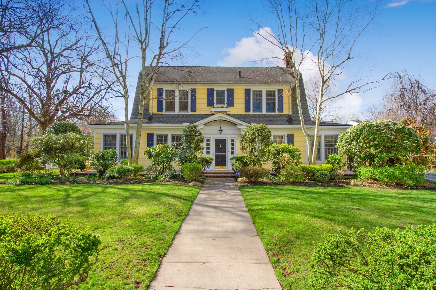 Single Family Home for Sale at Enchanting Dutch Colonial 64 Elm Ave, Metuchen, New Jersey 08840 United States